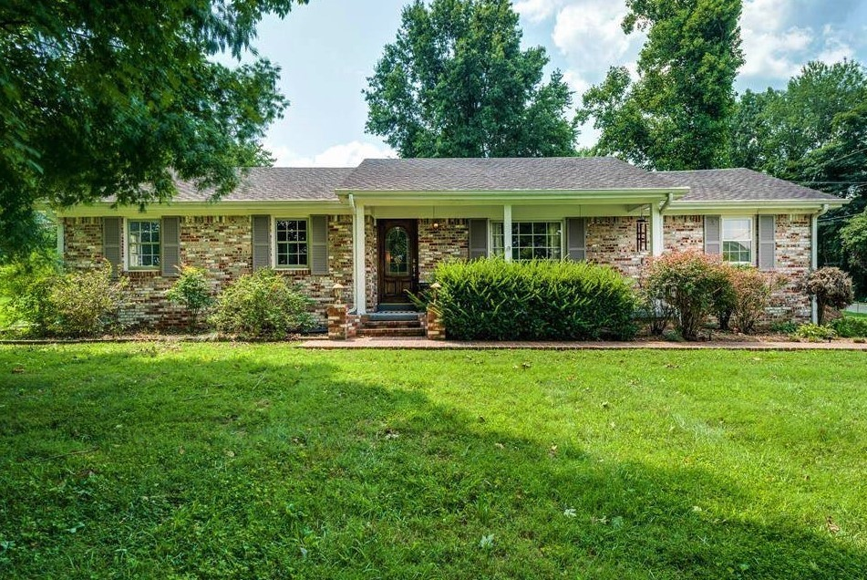 801 Apple Dr Property Photo - Livingston, TN real estate listing
