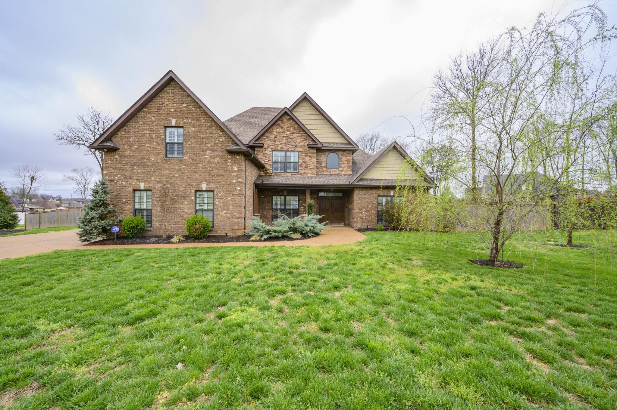 1028 Delta Arthur Dr, Murfreesboro, TN 37129 - Murfreesboro, TN real estate listing