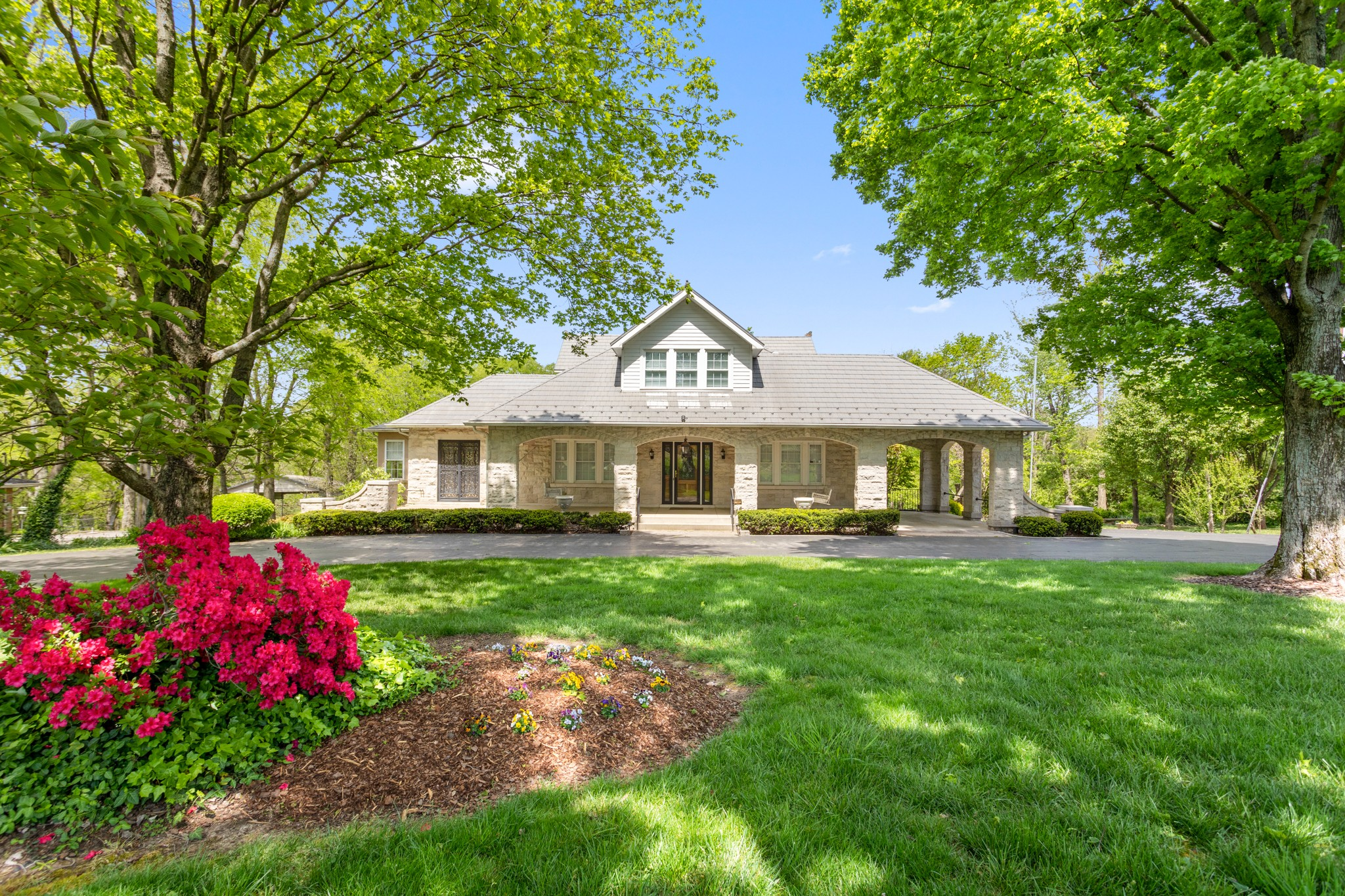 308 W Due West Ave, Madison, TN 37115 - Madison, TN real estate listing