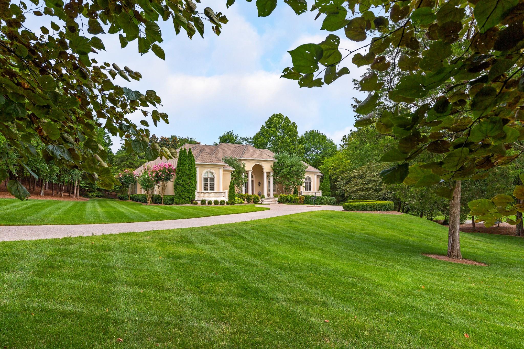 14 Bancroft Pl Property Photo - Nashville, TN real estate listing