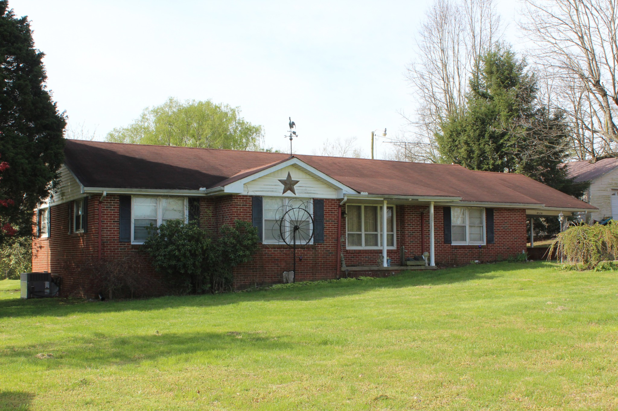 4524 Highway 52, E Property Photo - Lafayette, TN real estate listing