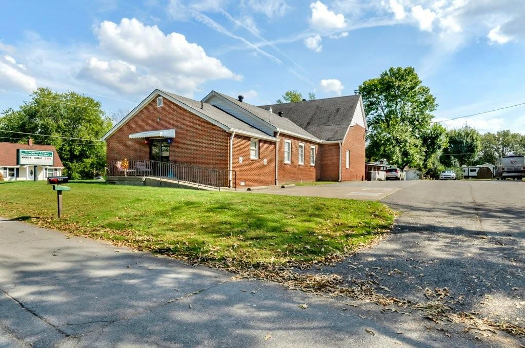 411 E College St, E Property Photo