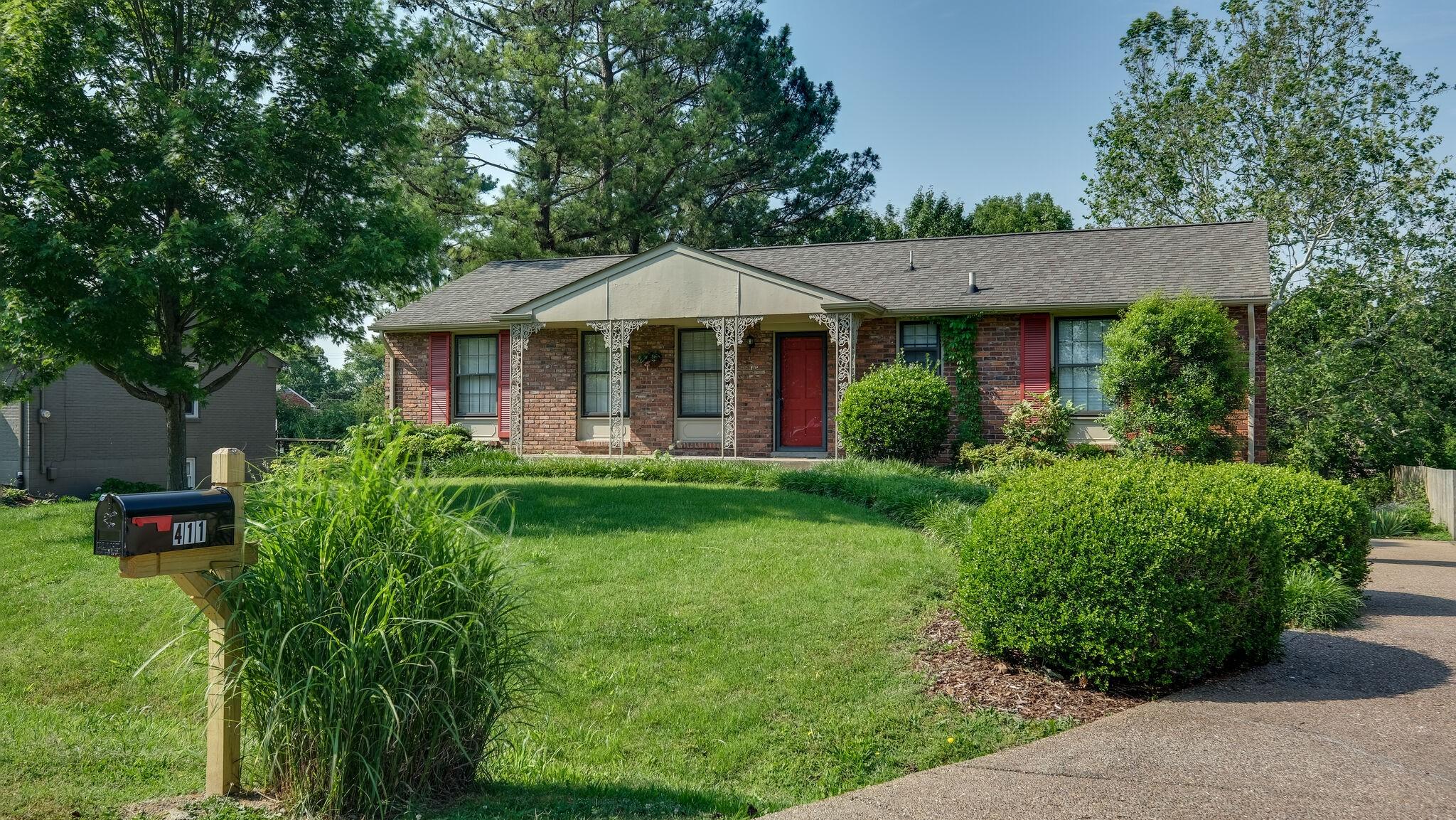 411 Lynn Dr Property Photo