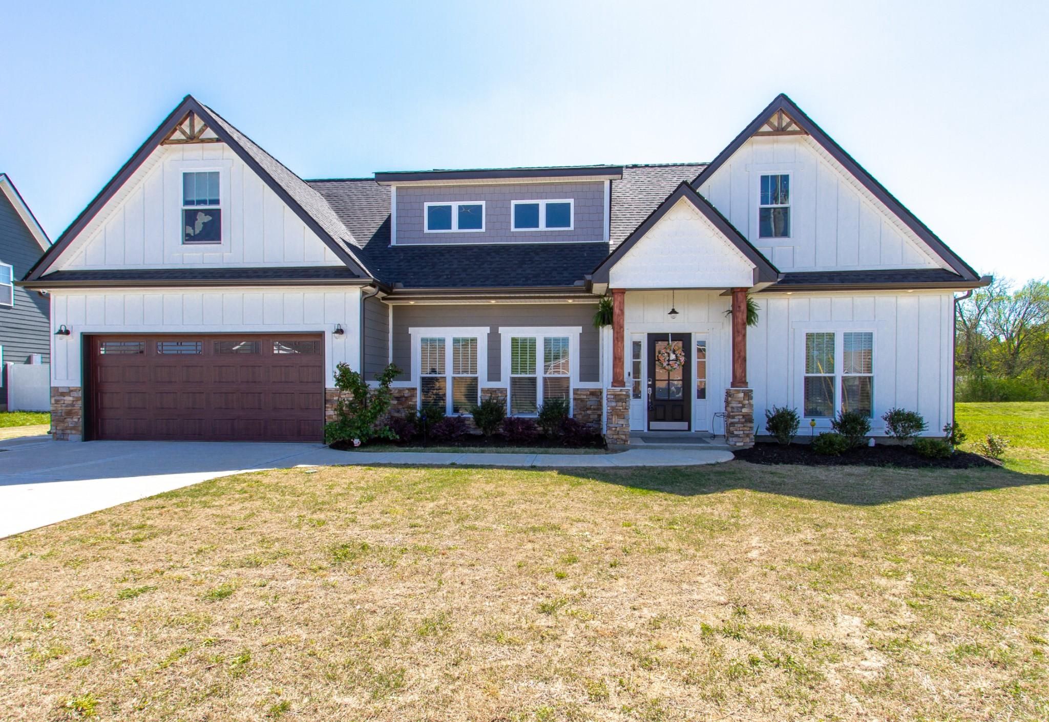 612 Laurel Ln Property Photo