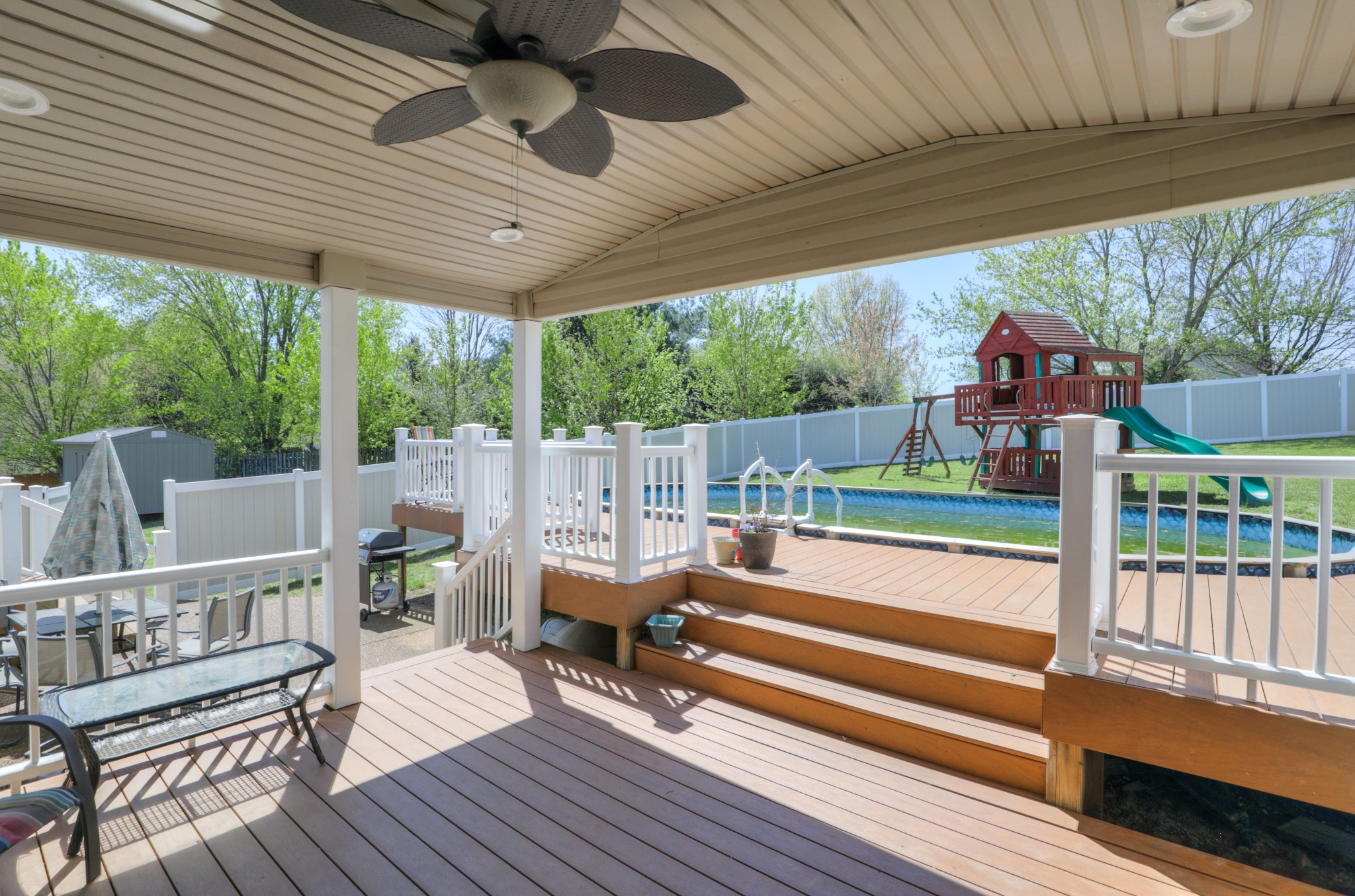 805 Overview Dr, Cottontown, TN 37048 - Cottontown, TN real estate listing