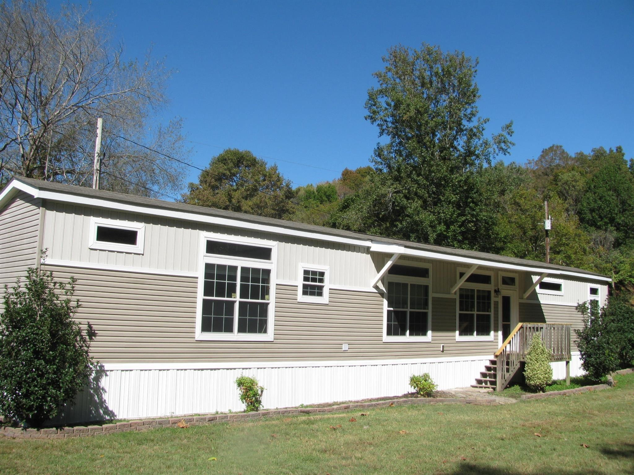 89 Gus Norfleet Ln Property Photo - Erin, TN real estate listing