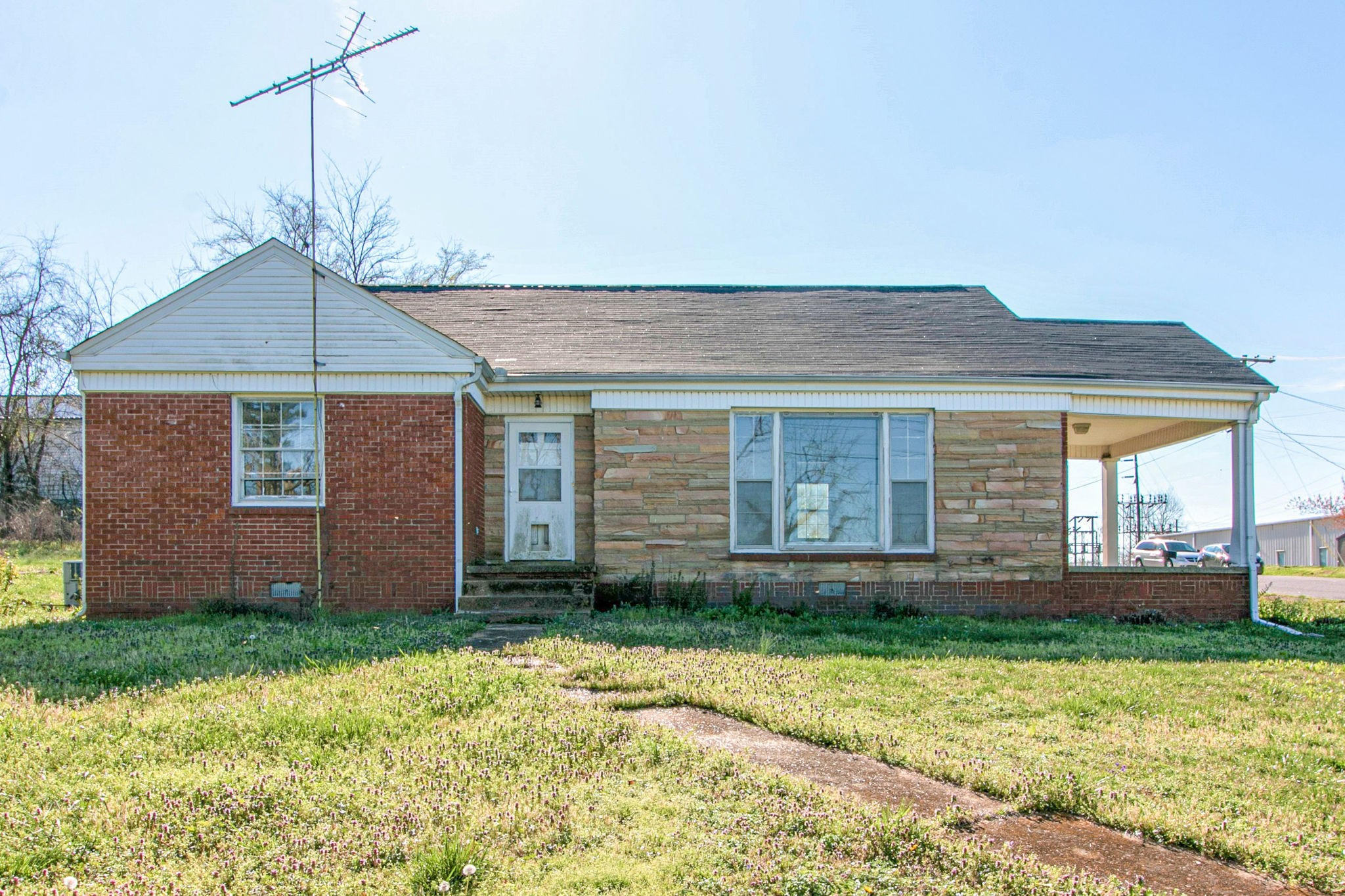 75 College St S Property Photo - MC EWEN, TN real estate listing
