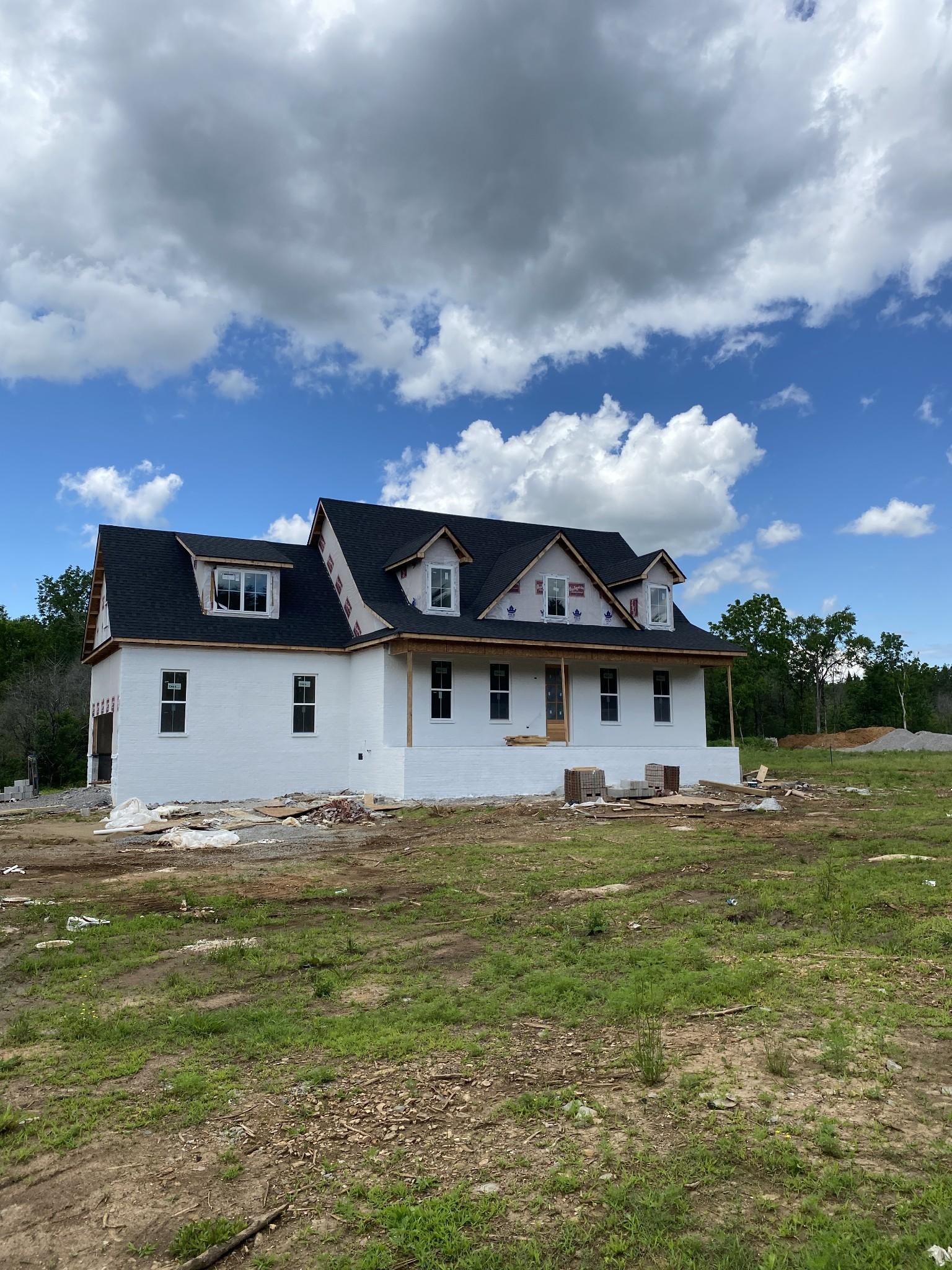 2050 Old Farmington Rd Property Photo