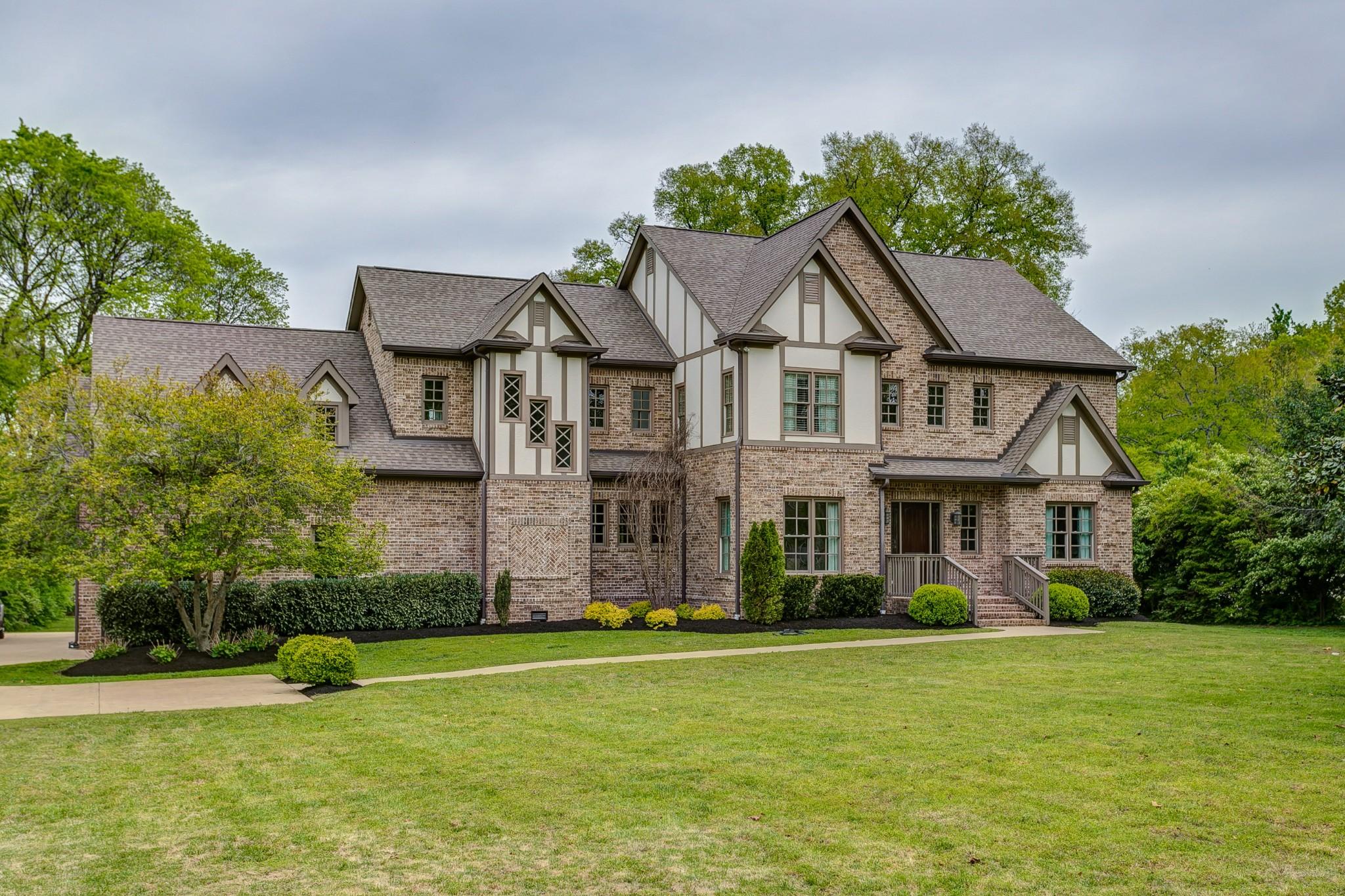 884 Van Leer Dr, Nashville, TN 37220 - Nashville, TN real estate listing