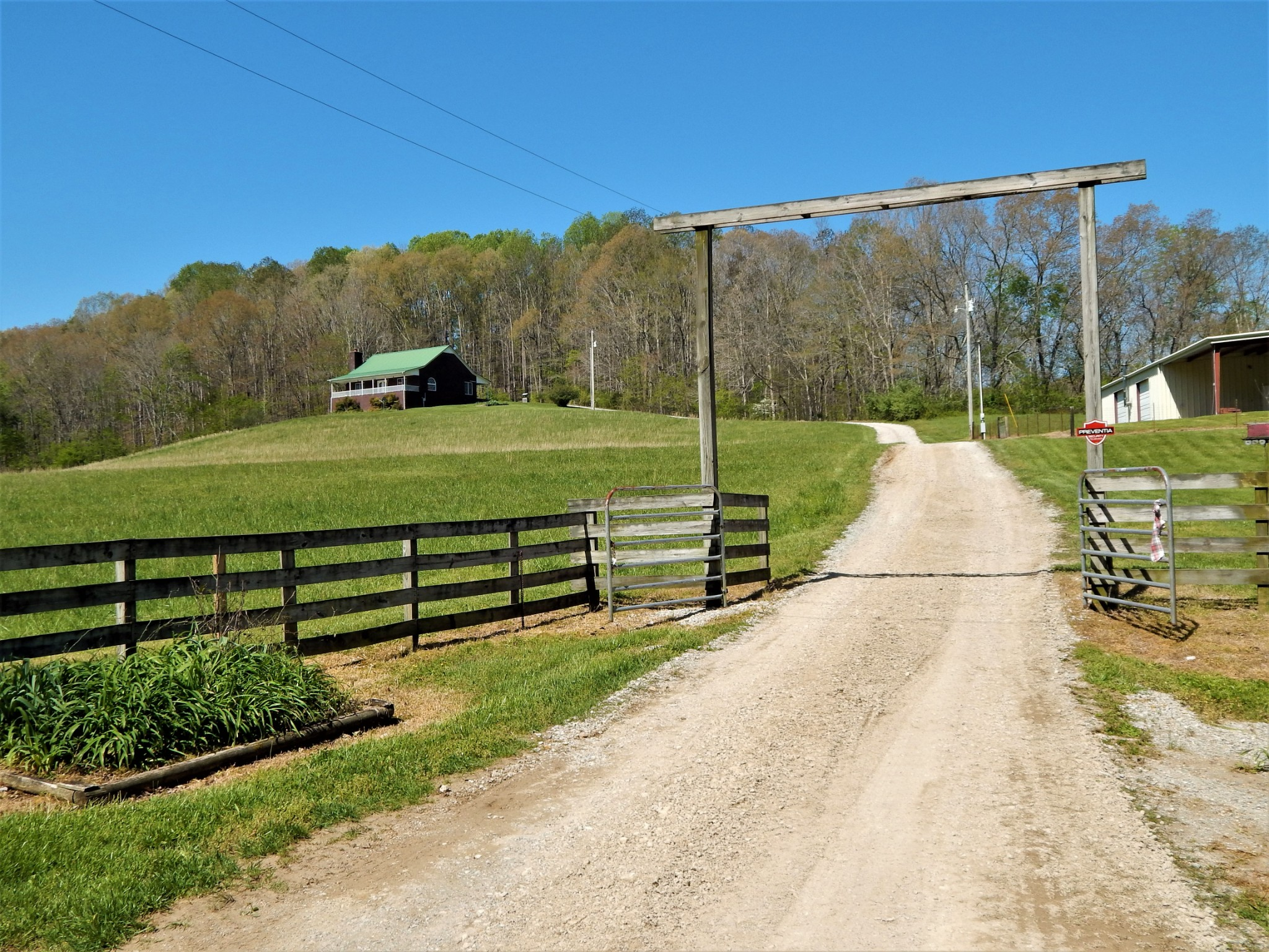 769 Brush Creek Road Property Photo - Lawrenceburg, TN real estate listing