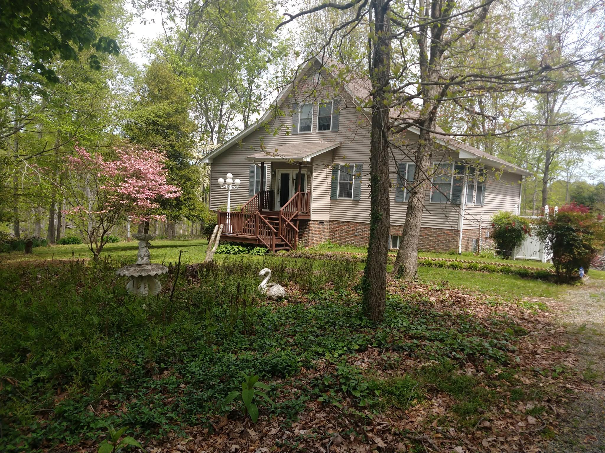 163 Dixon Rd, Lafayette, TN 37083 - Lafayette, TN real estate listing