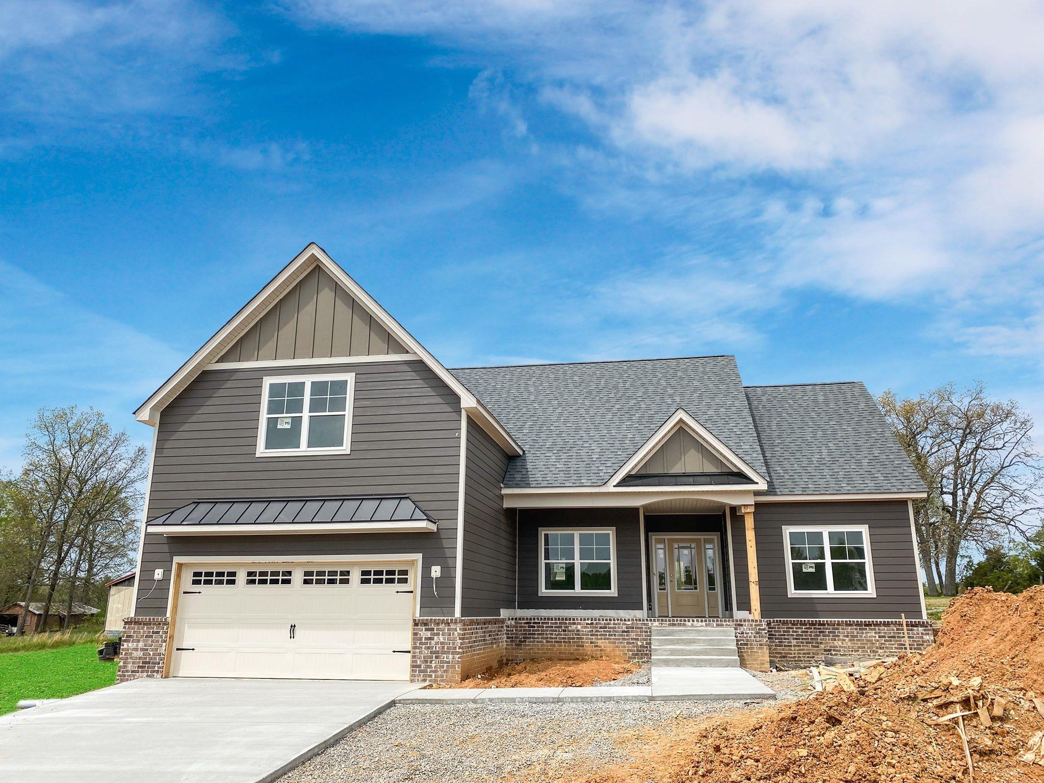1073 Melvin Drive Property Photo - Cross Plains, TN real estate listing