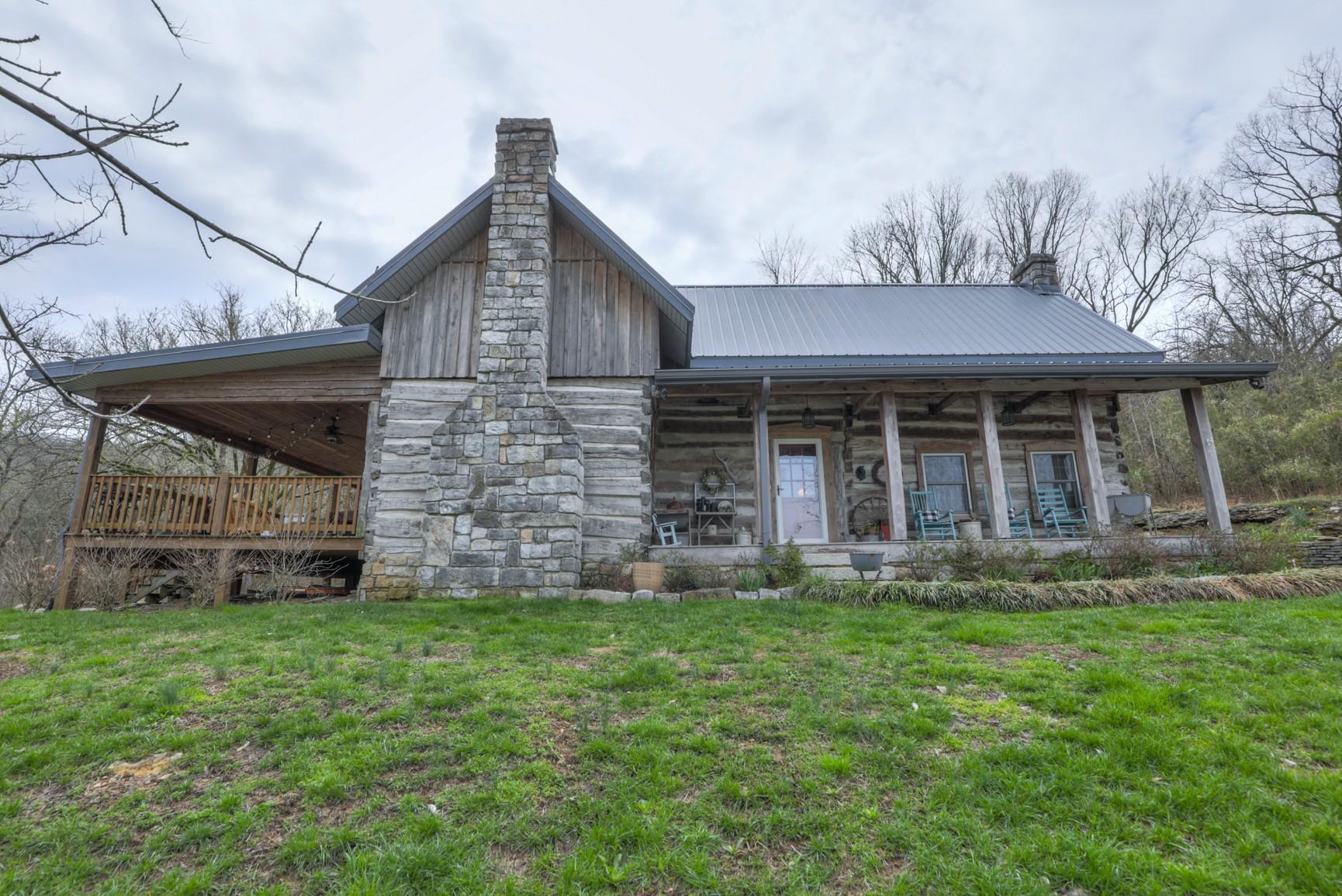 401 Hannah Gap Rd Property Photo - Petersburg, TN real estate listing