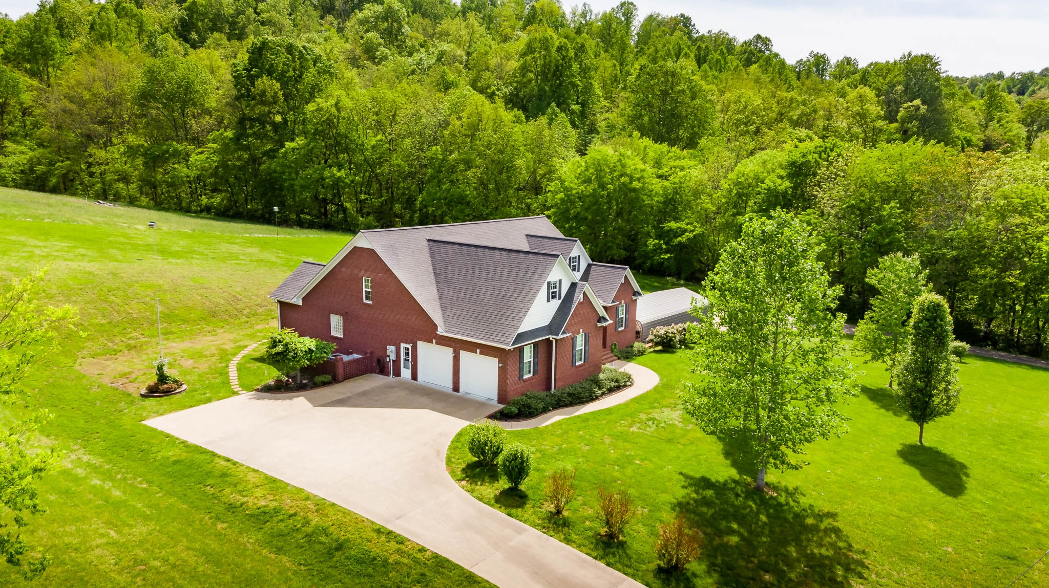 1069 Scenic Dr Property Photo