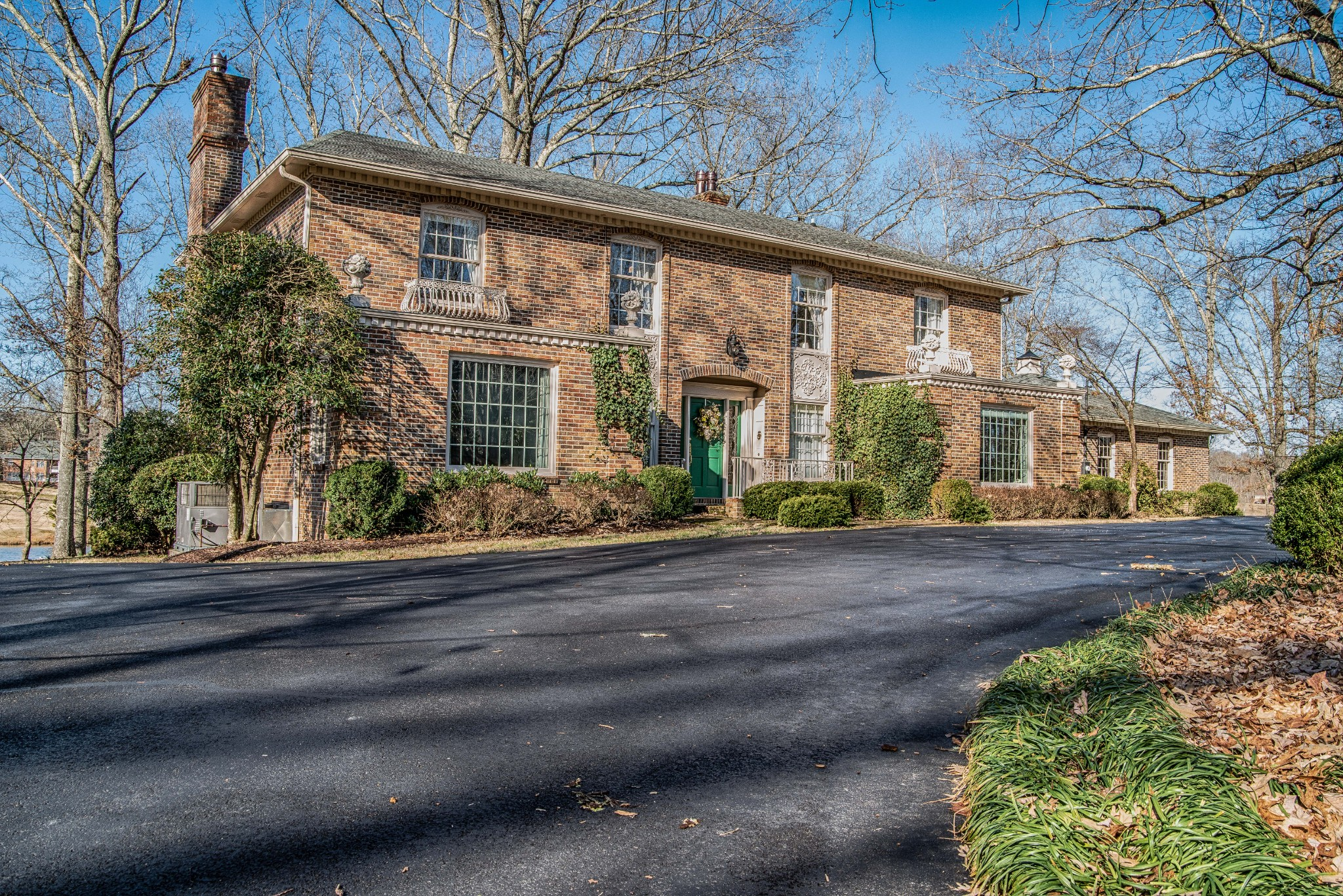 207 Lakewood Dr Property Photo - Tullahoma, TN real estate listing