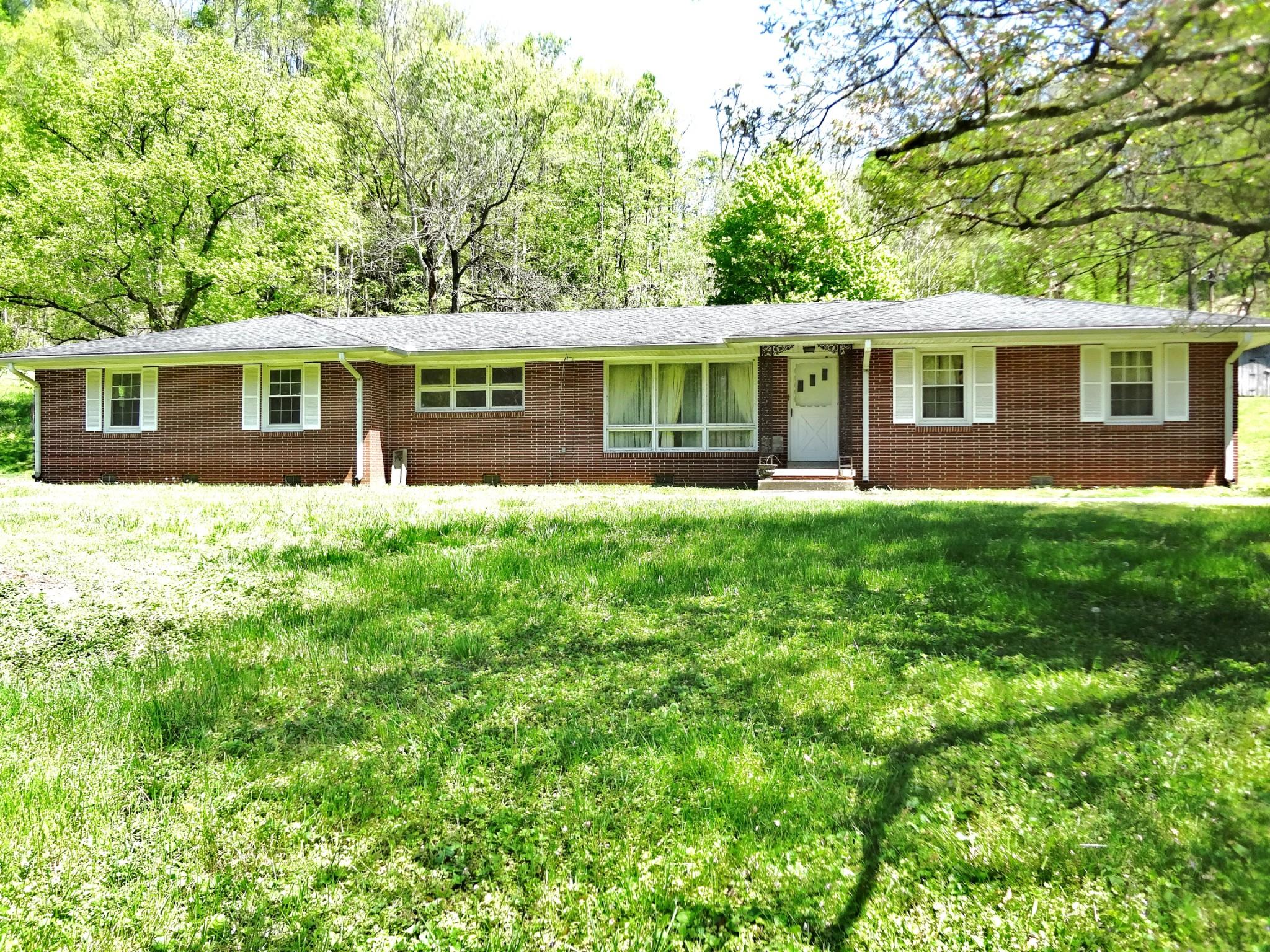 1014 Pleasant Shade Hwy Property Photo - Pleasant Shade, TN real estate listing