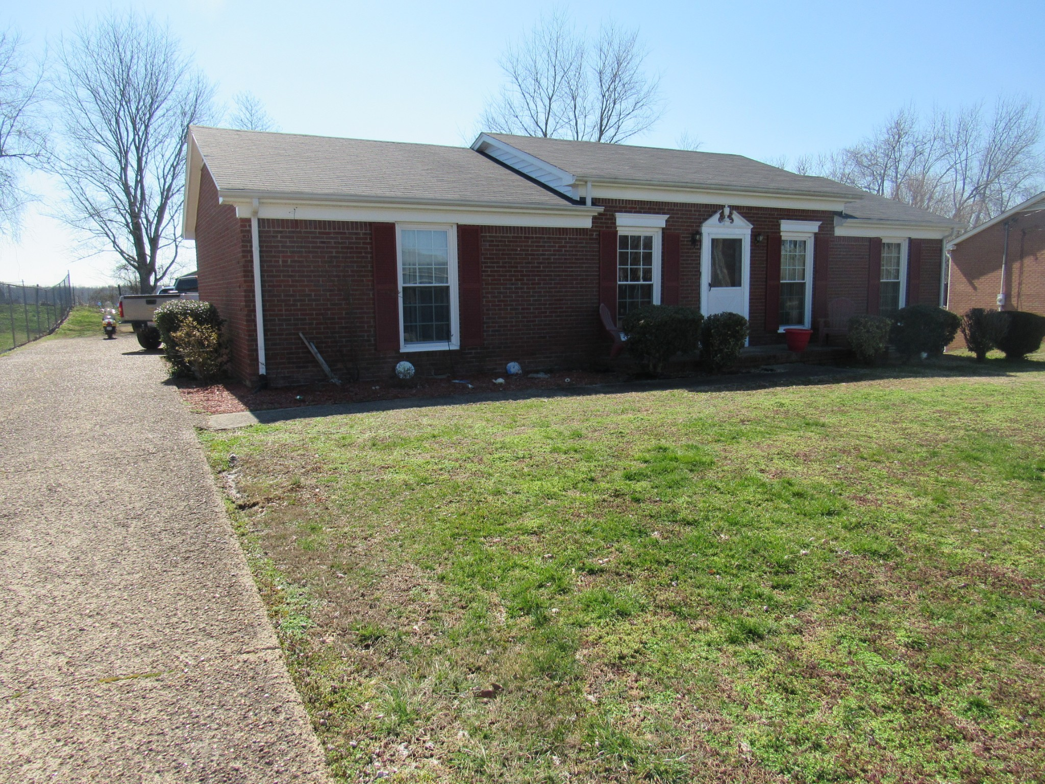 317 Westwind Dr Property Photo - Springfield, TN real estate listing