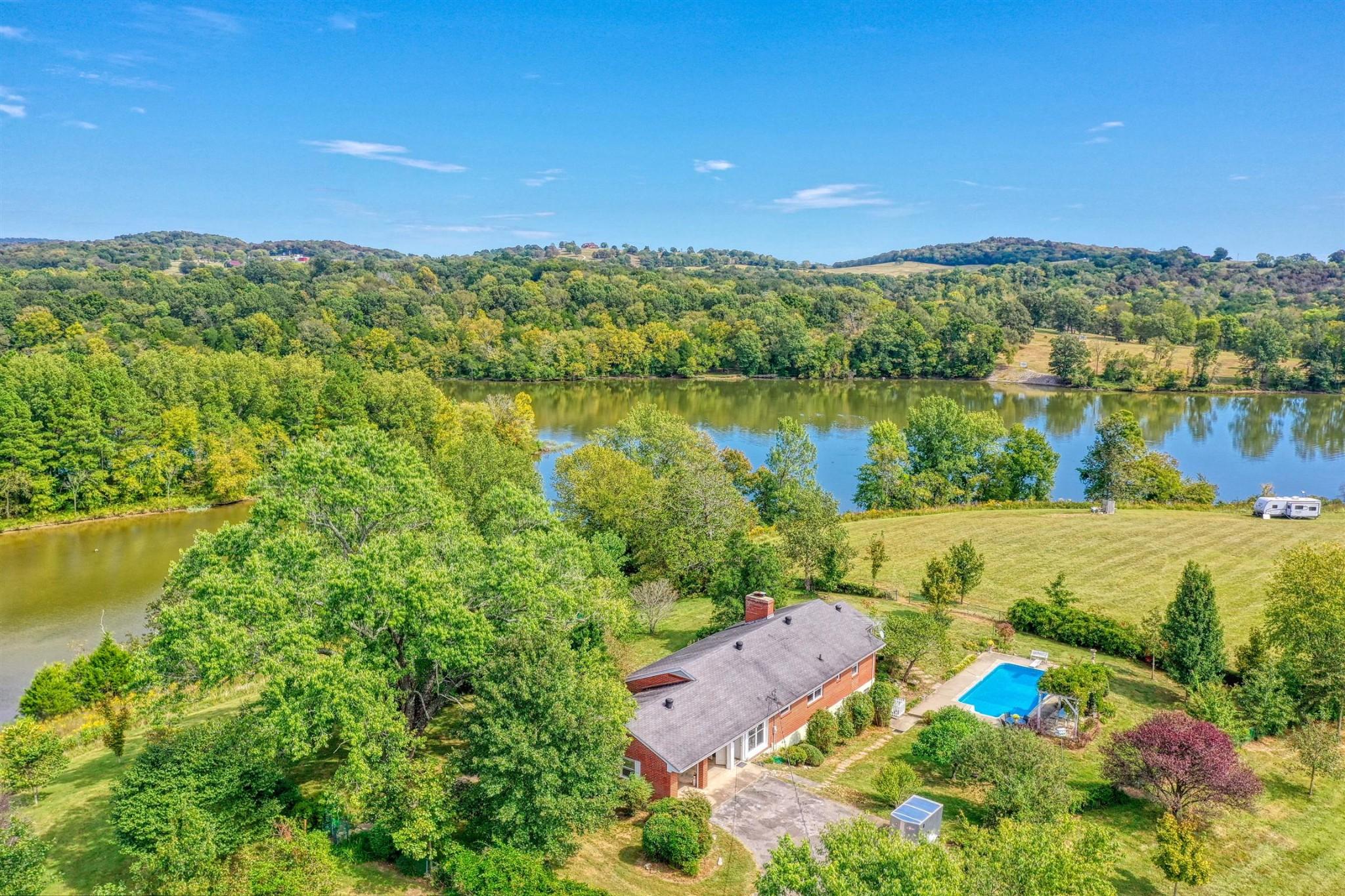 135 Second Creek Ln Property Photo - Hartsville, TN real estate listing