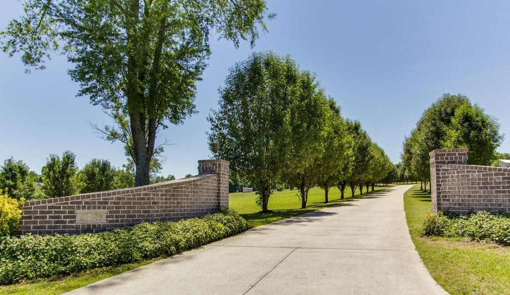 6509 Stargazer Ln and 6705 Arno Property Photo - College Grove, TN real estate listing