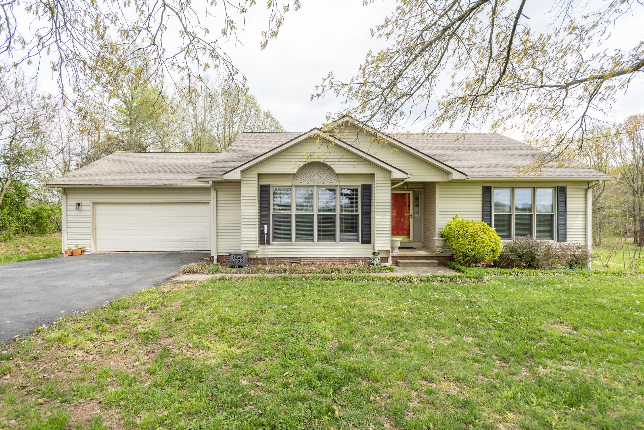 910 Gary Ln Property Photo - Hopkinsville, KY real estate listing