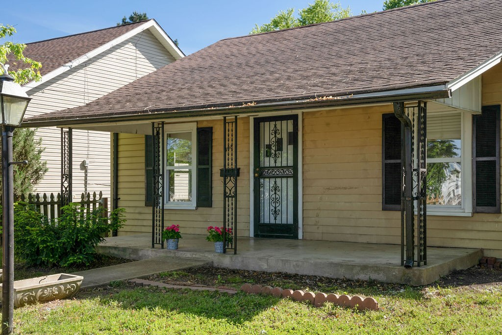 408 Rayon Dr Property Photo - Old Hickory, TN real estate listing