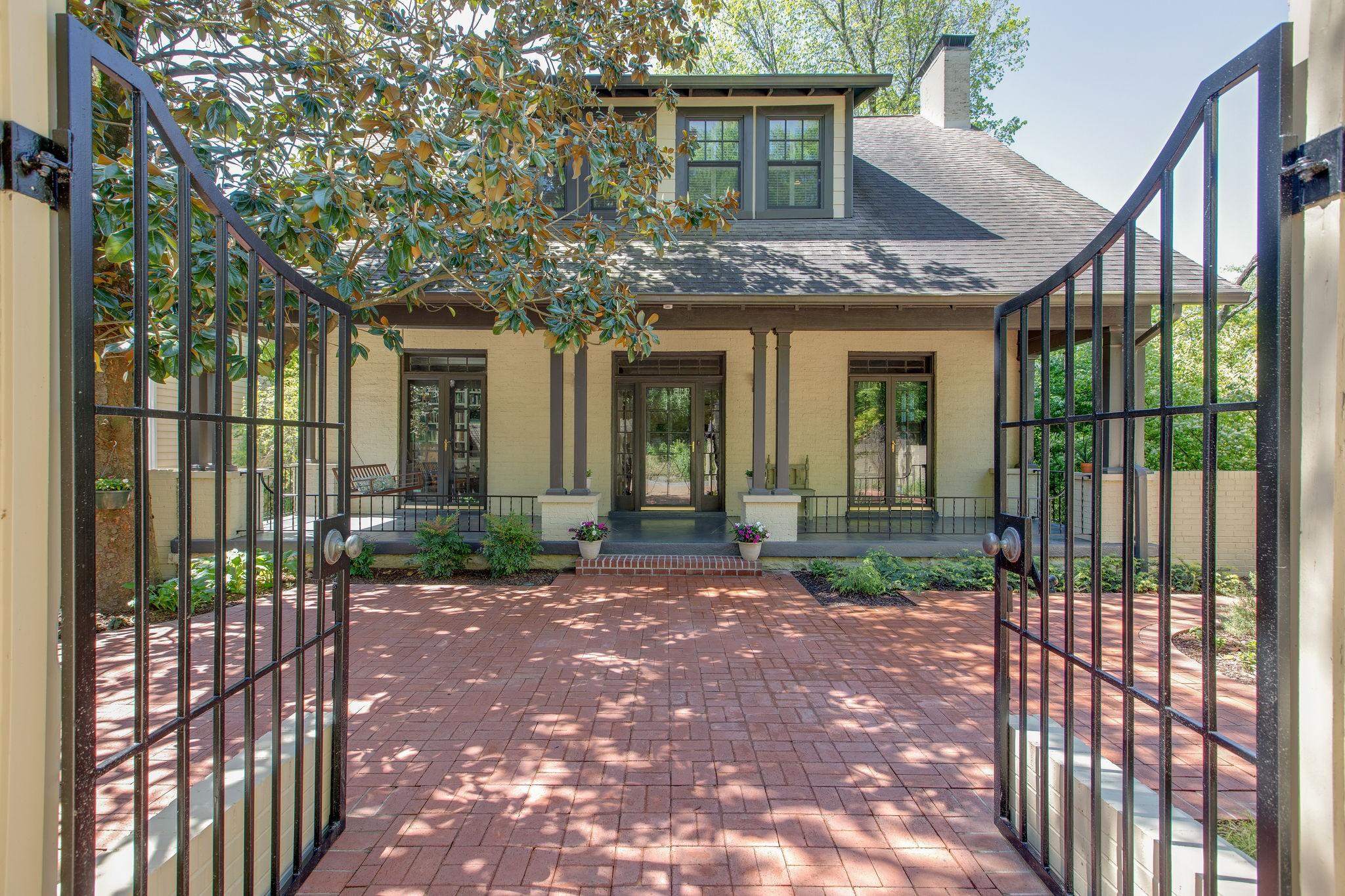 3335 Acklen Ave Property Photo - Nashville, TN real estate listing