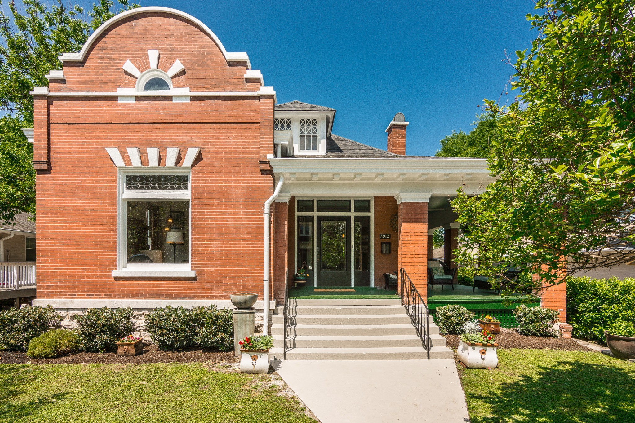 1015 Villa Pl Property Photo