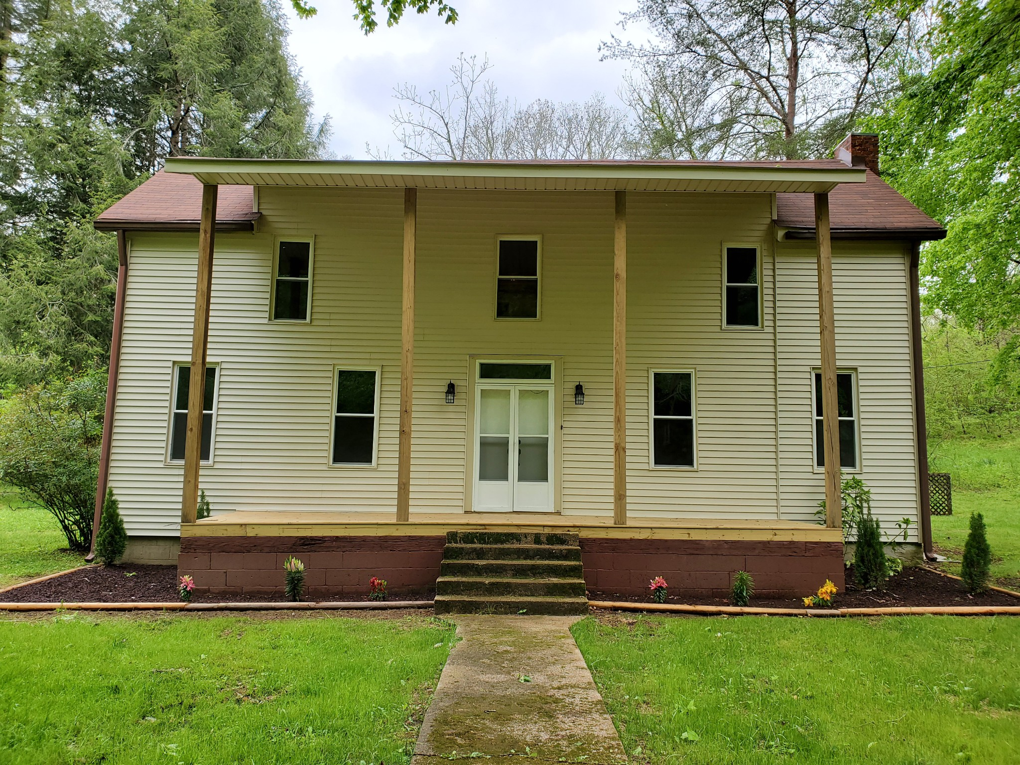 7849 Johnny Crow Rd Property Photo - Lyles, TN real estate listing