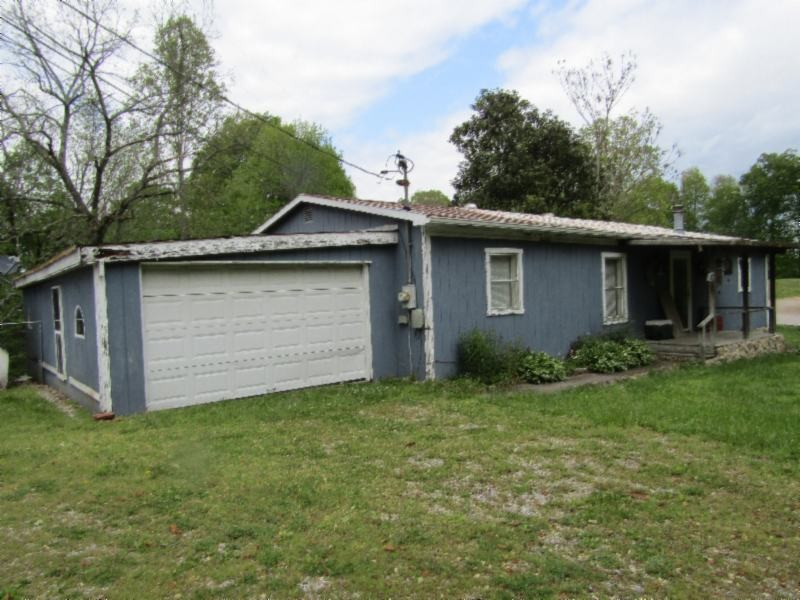 538 W James White Rd Property Photo - Celina, TN real estate listing