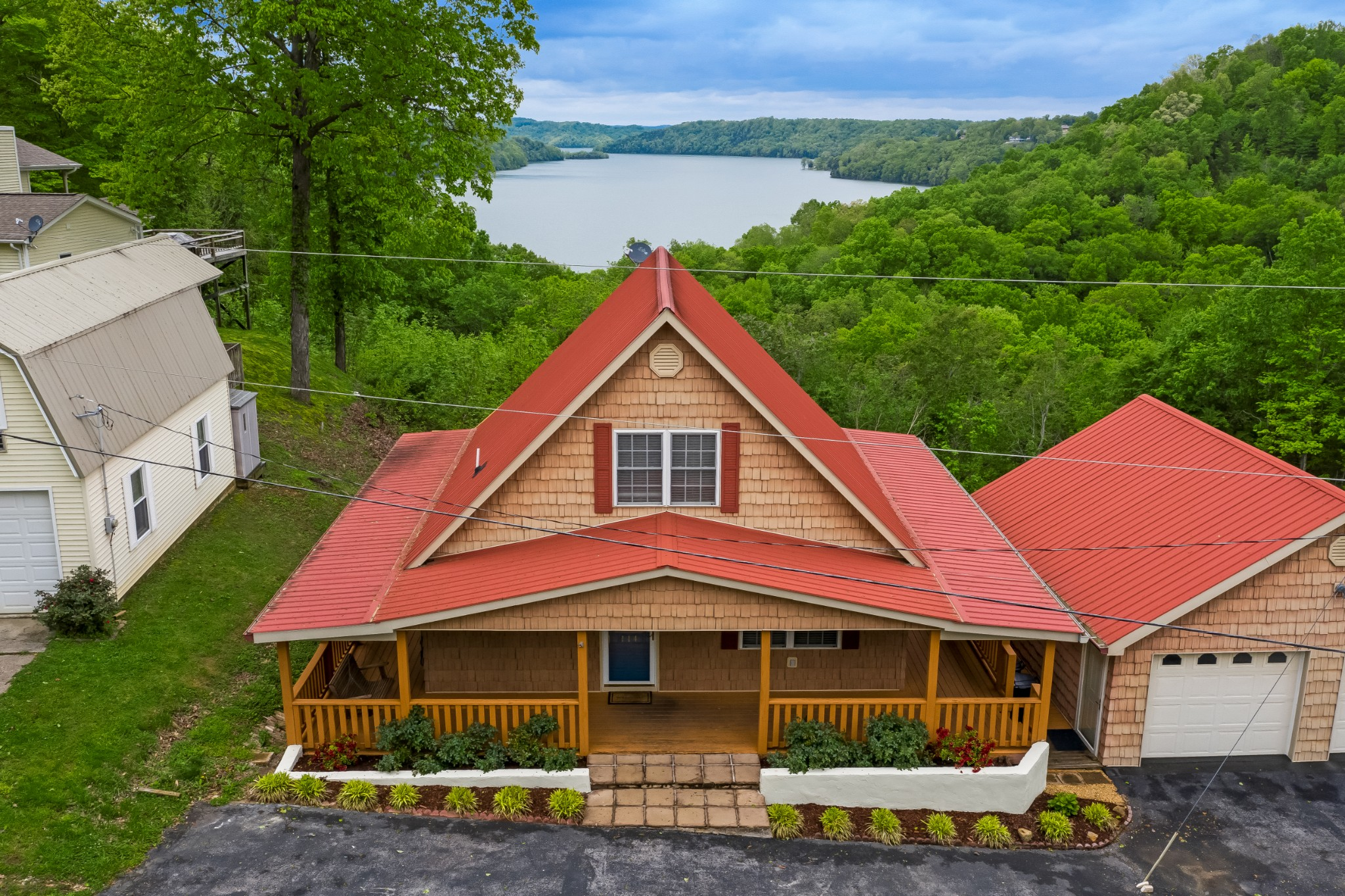 114 Edgehill Spur Property Photo - Byrdstown, TN real estate listing