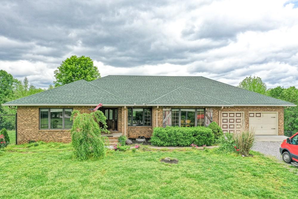 1771 Wynnewood Dr Property Photo - Chapmansboro, TN real estate listing