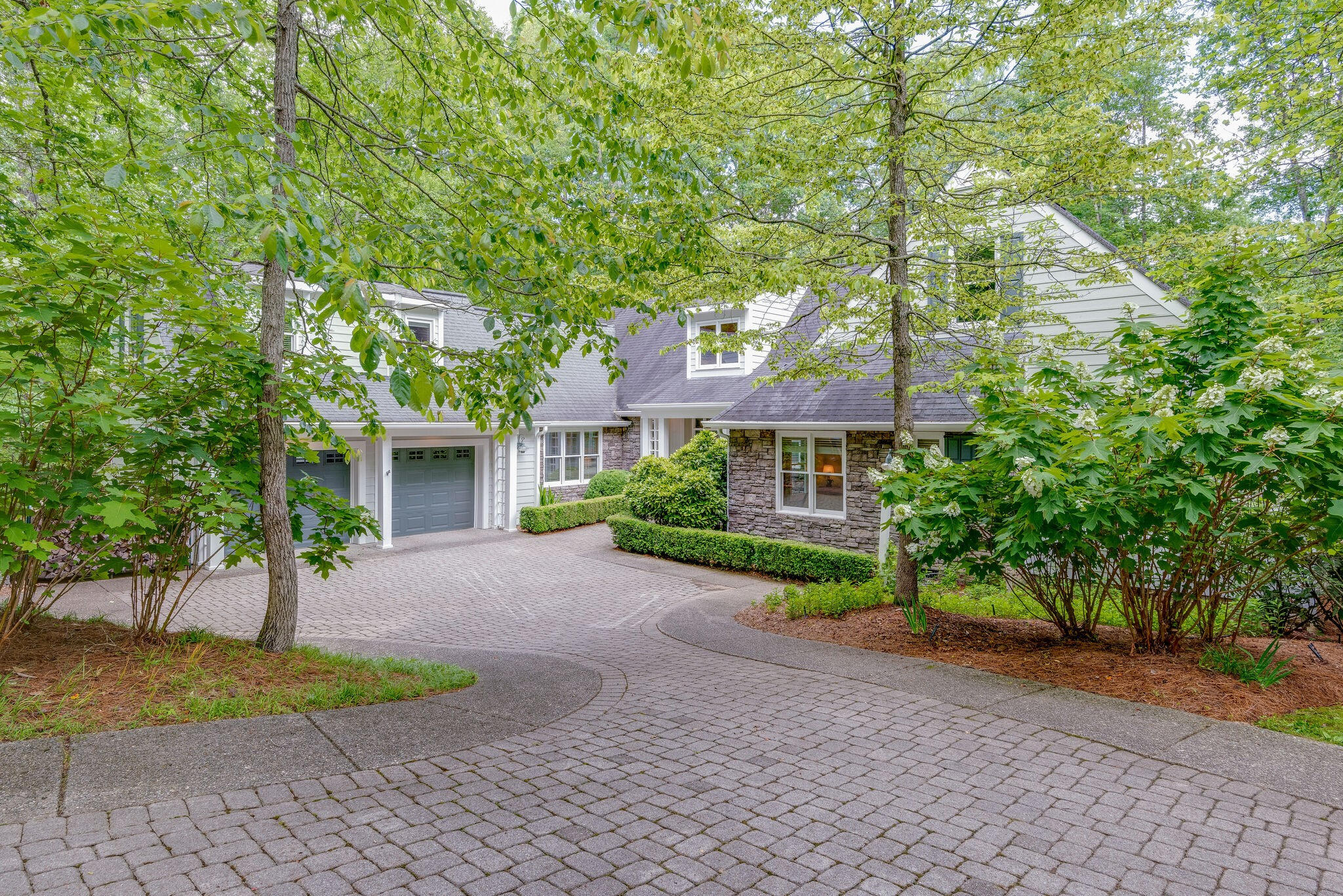 1006 Champion Hills Drive Property Photo - Kingston Springs, TN real estate listing