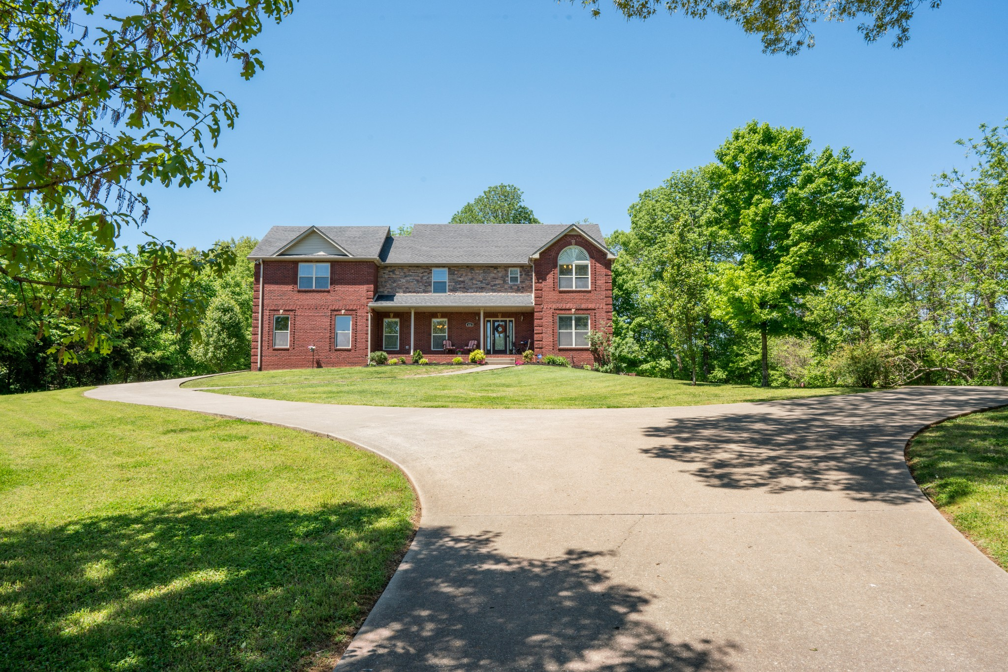 632 N Woodson Rd Property Photo