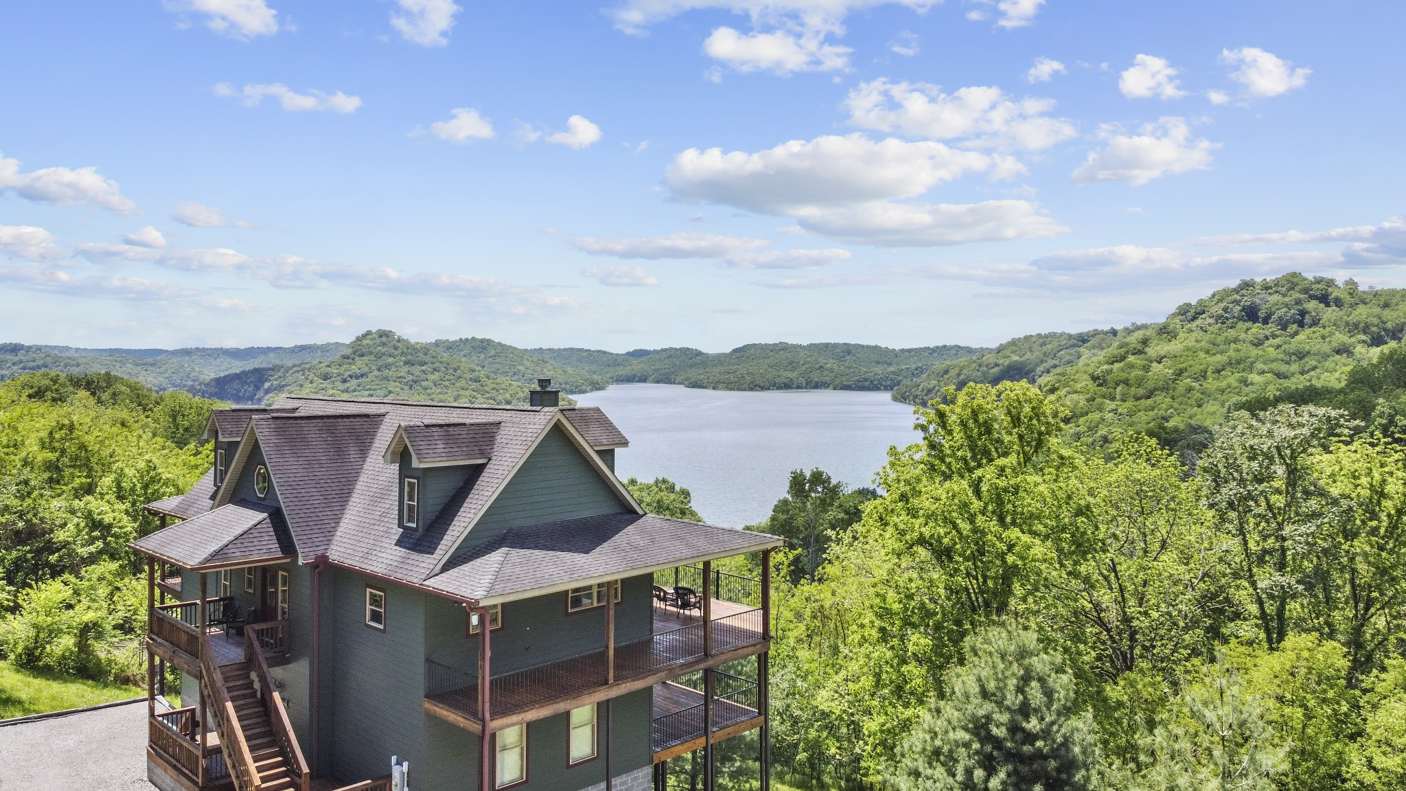 510 Harbor Pointe Dr Property Photo - Silver Point, TN real estate listing