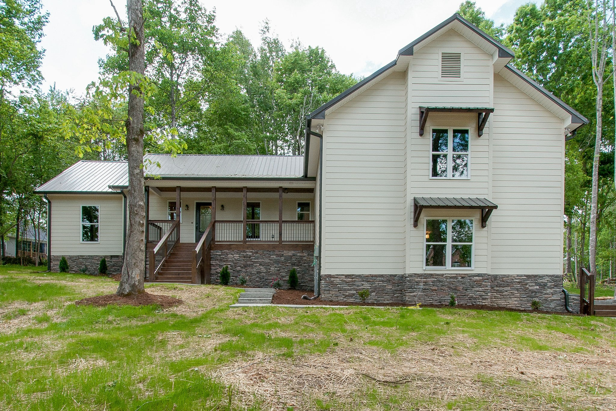 4585 General Foriest Cir Property Photo - Bon Aqua, TN real estate listing