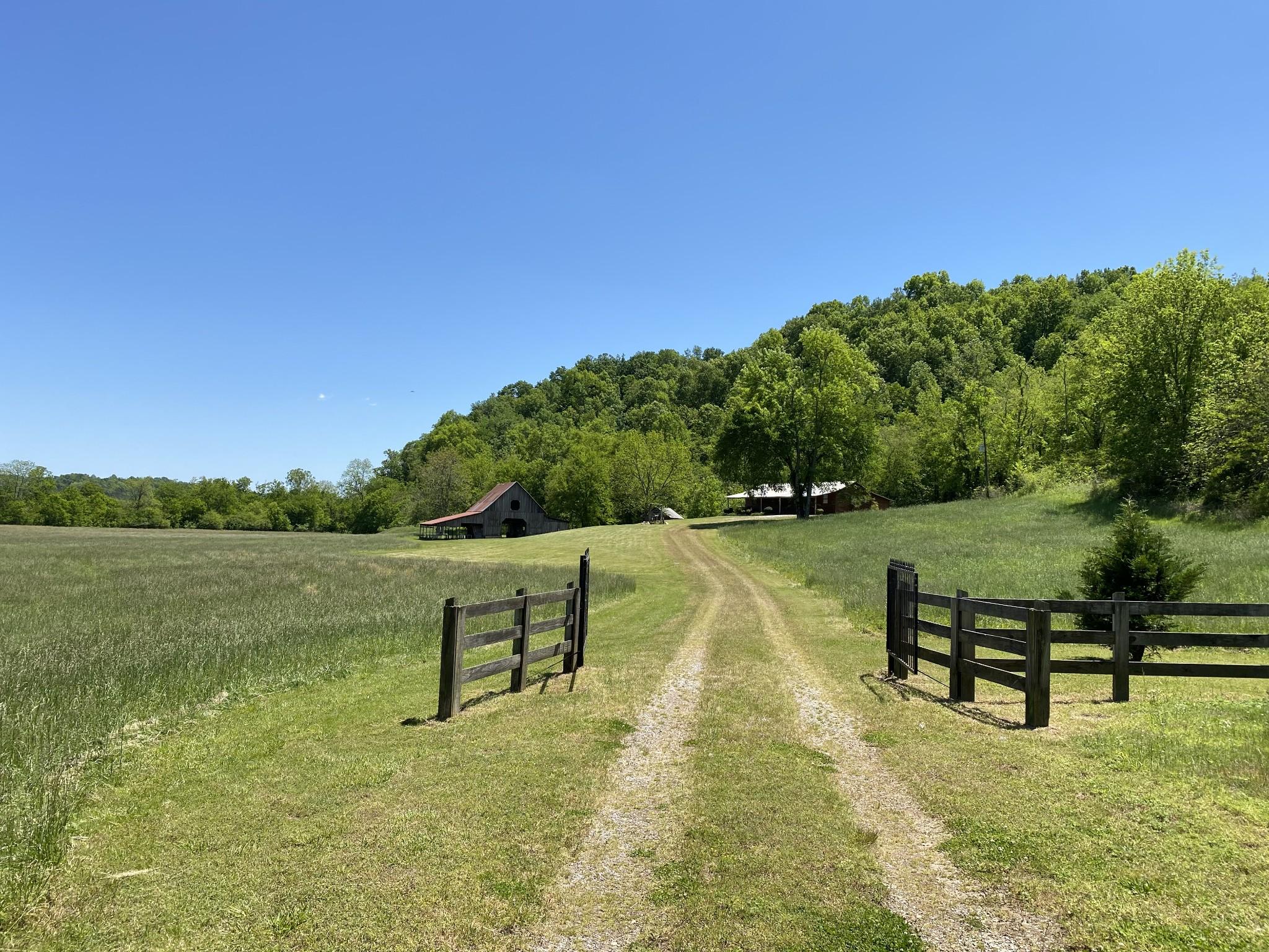 450 Pete White Rd Property Photo - Lawrenceburg, TN real estate listing