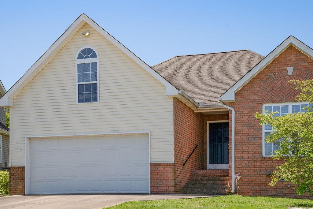 497 Berry Cir Property Photo - Springfield, TN real estate listing