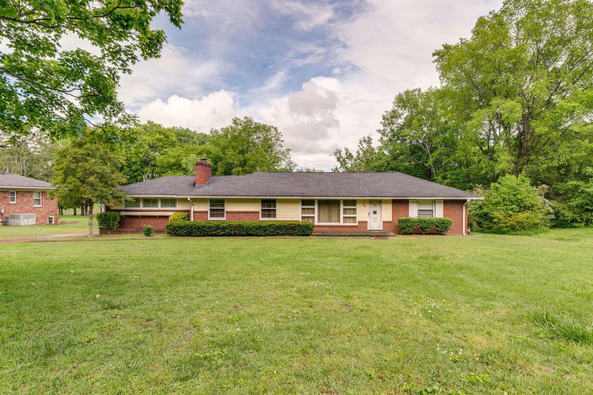 608 N Graycroft Ave Property Photo - Madison, TN real estate listing