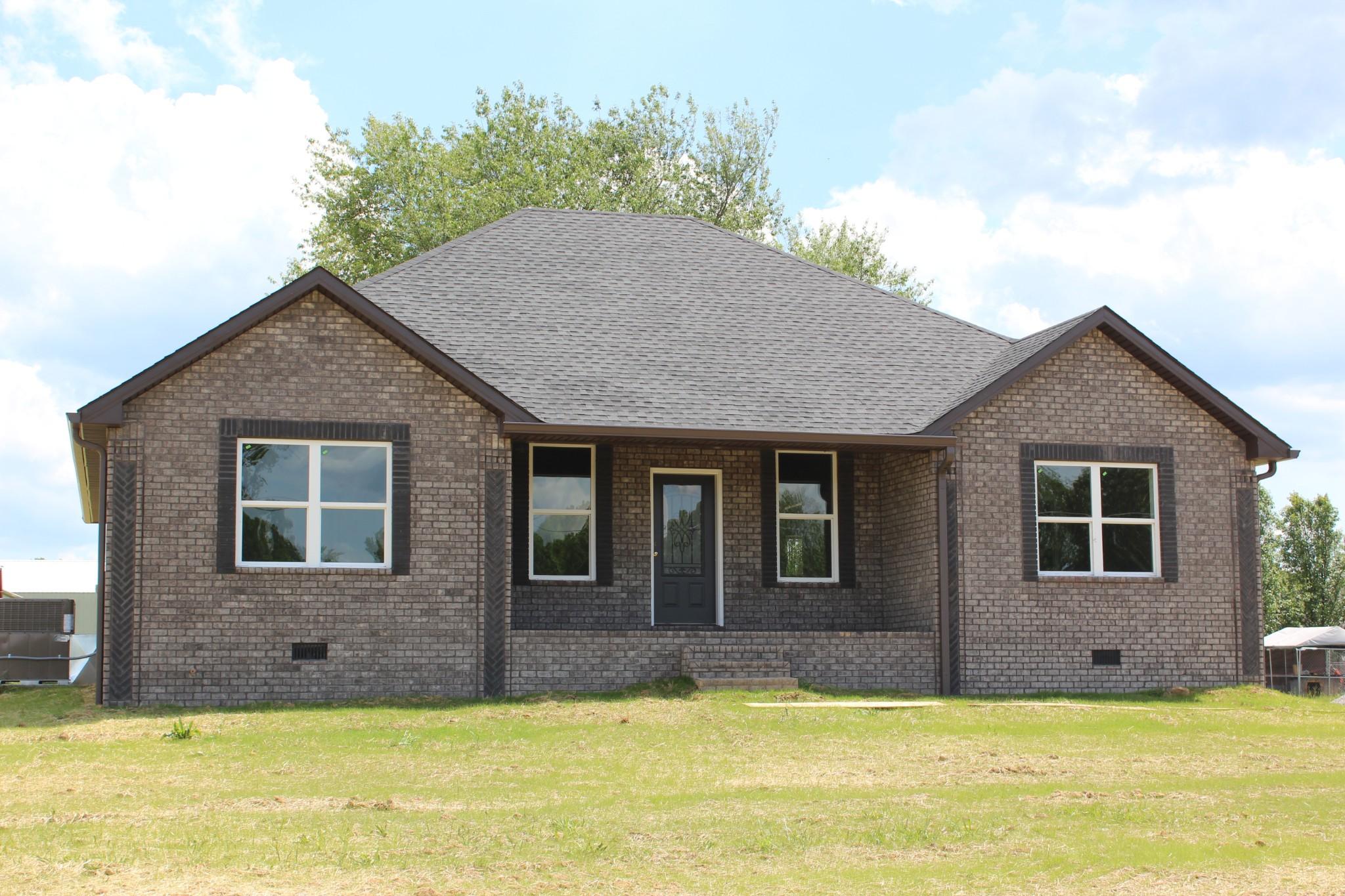 120 Hayden Drake Property Photo - Lafayette, TN real estate listing