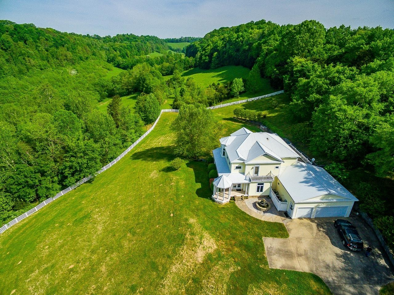 417B Chicken Creek Rd Property Photo - Frankewing, TN real estate listing