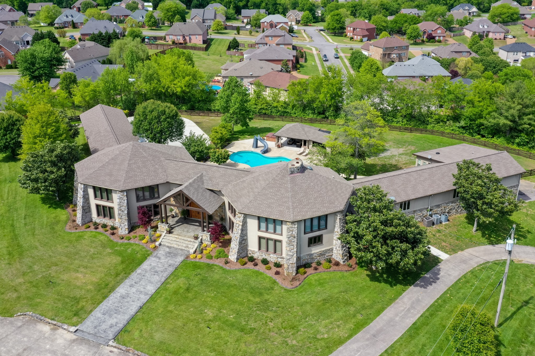 419 Cumberland Hills Dr Property Photo - Hendersonville, TN real estate listing