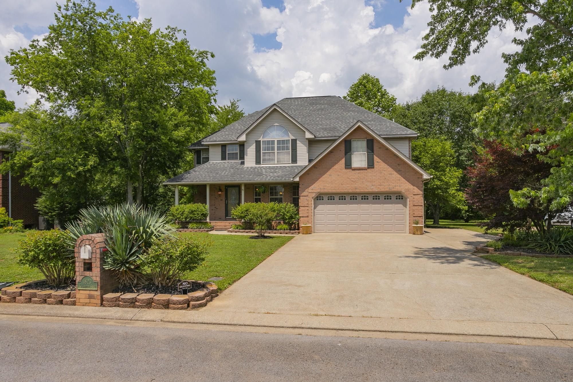 1823 Kensington Dr Property Photo - Murfreesboro, TN real estate listing