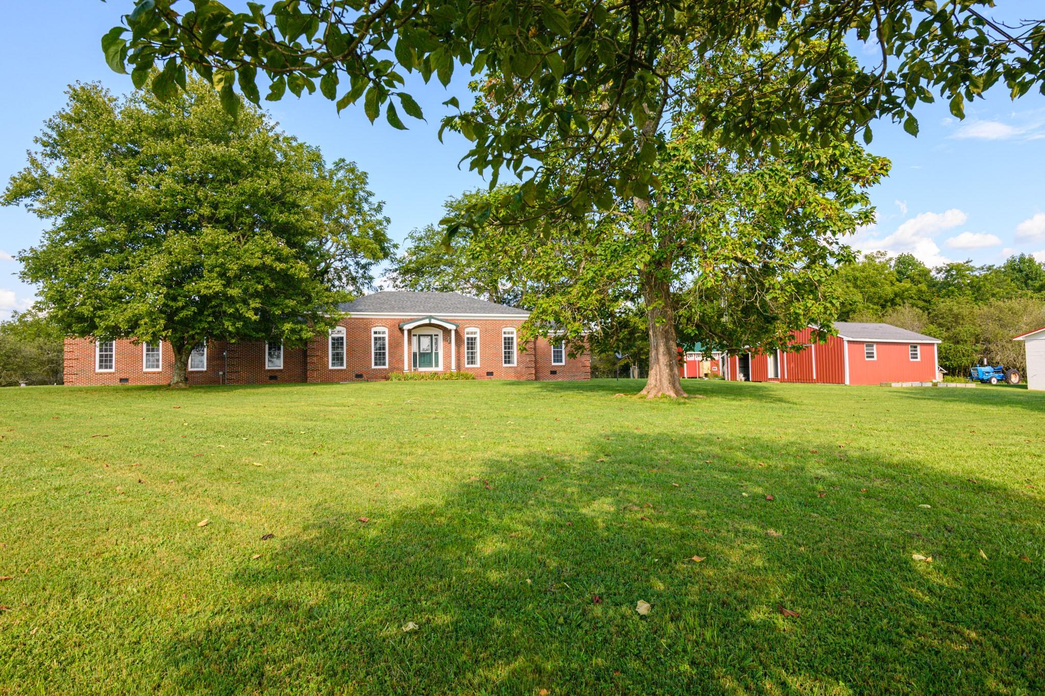 2978 Robinson Creek Rd Property Photo - Huntland, TN real estate listing