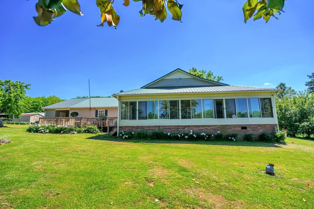 2643 Campbells Station Rd Property Photo - Culleoka, TN real estate listing