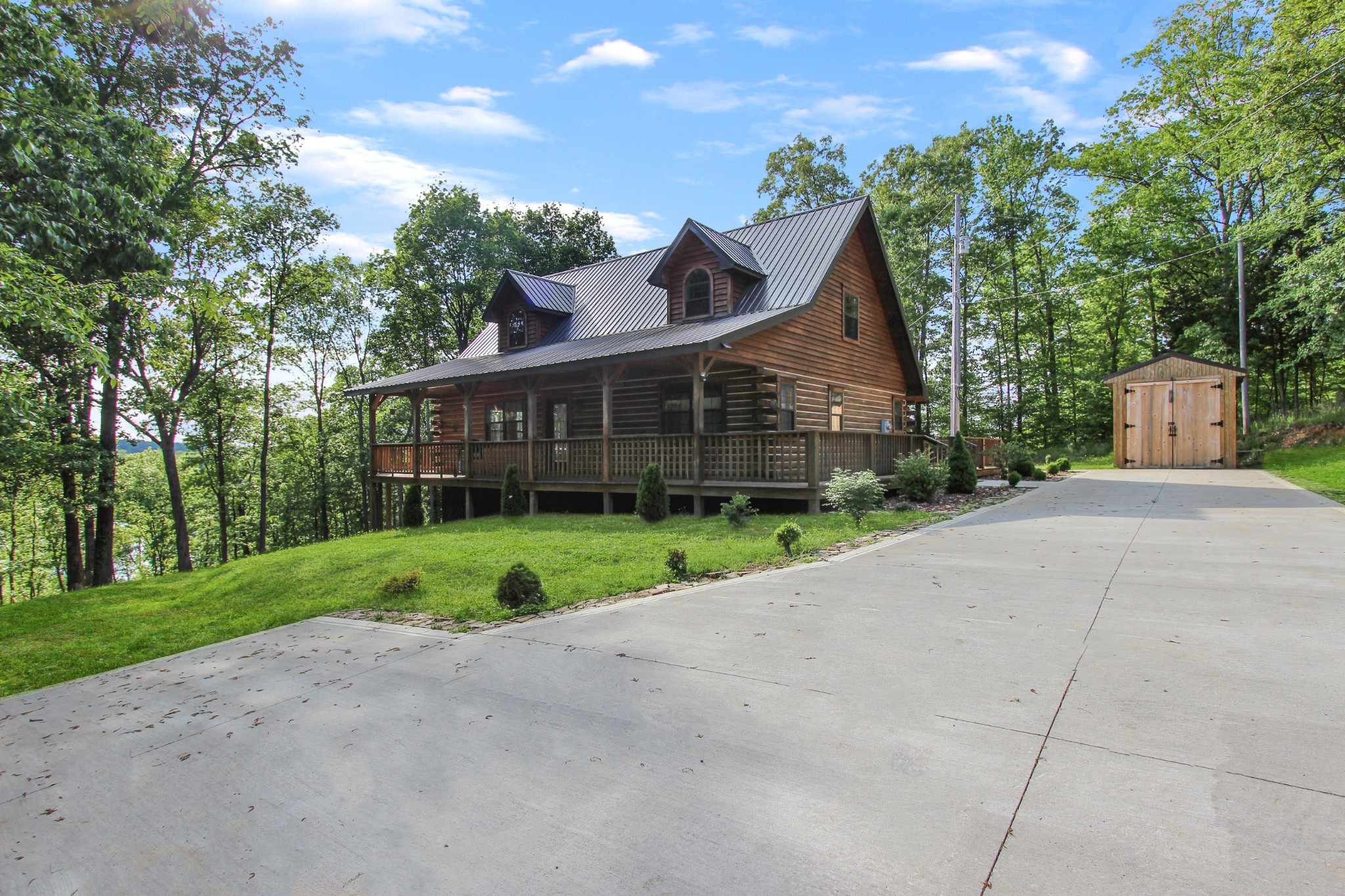237 Lewis Cir Property Photo - Dover, TN real estate listing