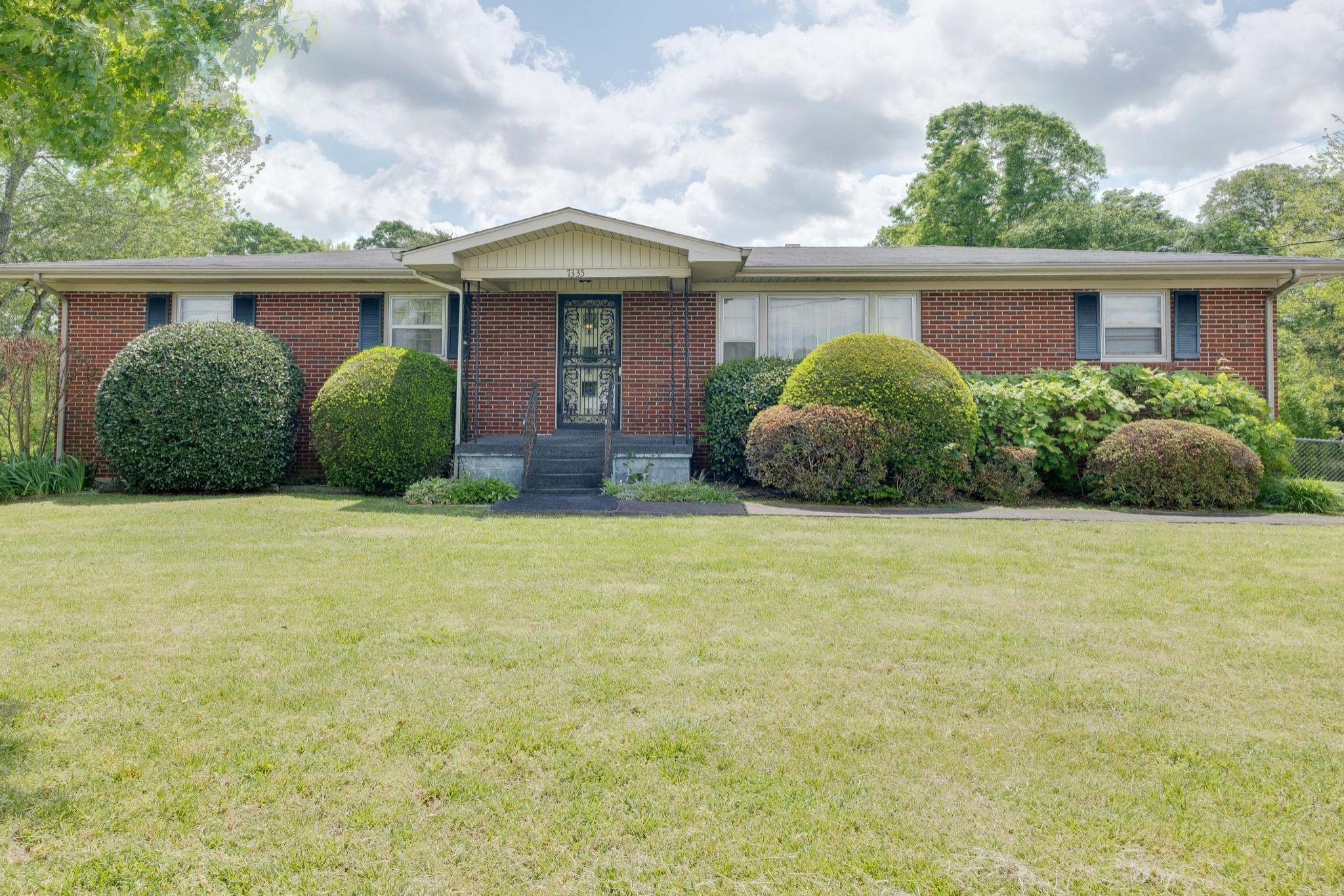 7335 Old Cox Pike Property Photo - Bon Aqua, TN real estate listing