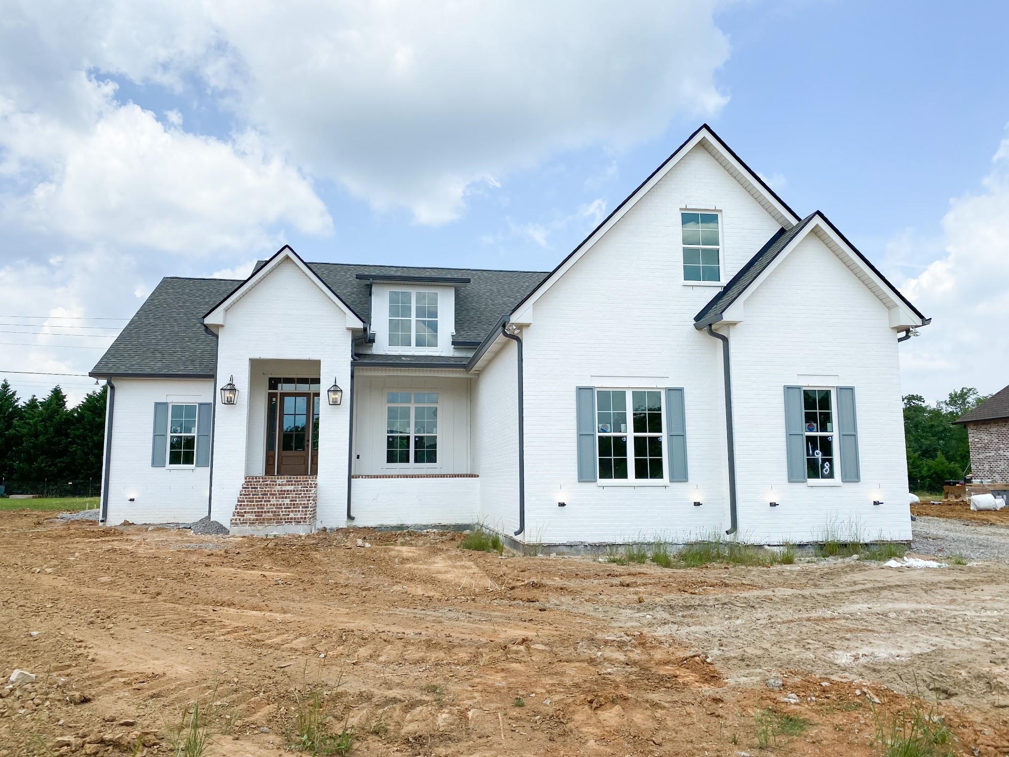 422 Huntington Dr Property Photo