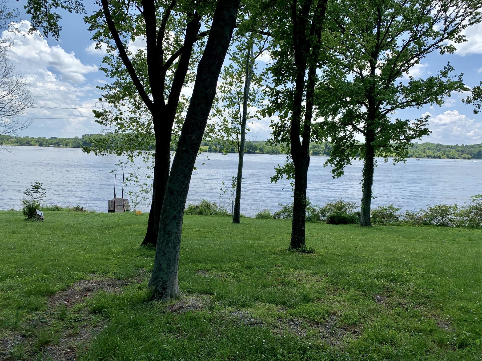 1094 Hickory Harbor Dr Property Photo