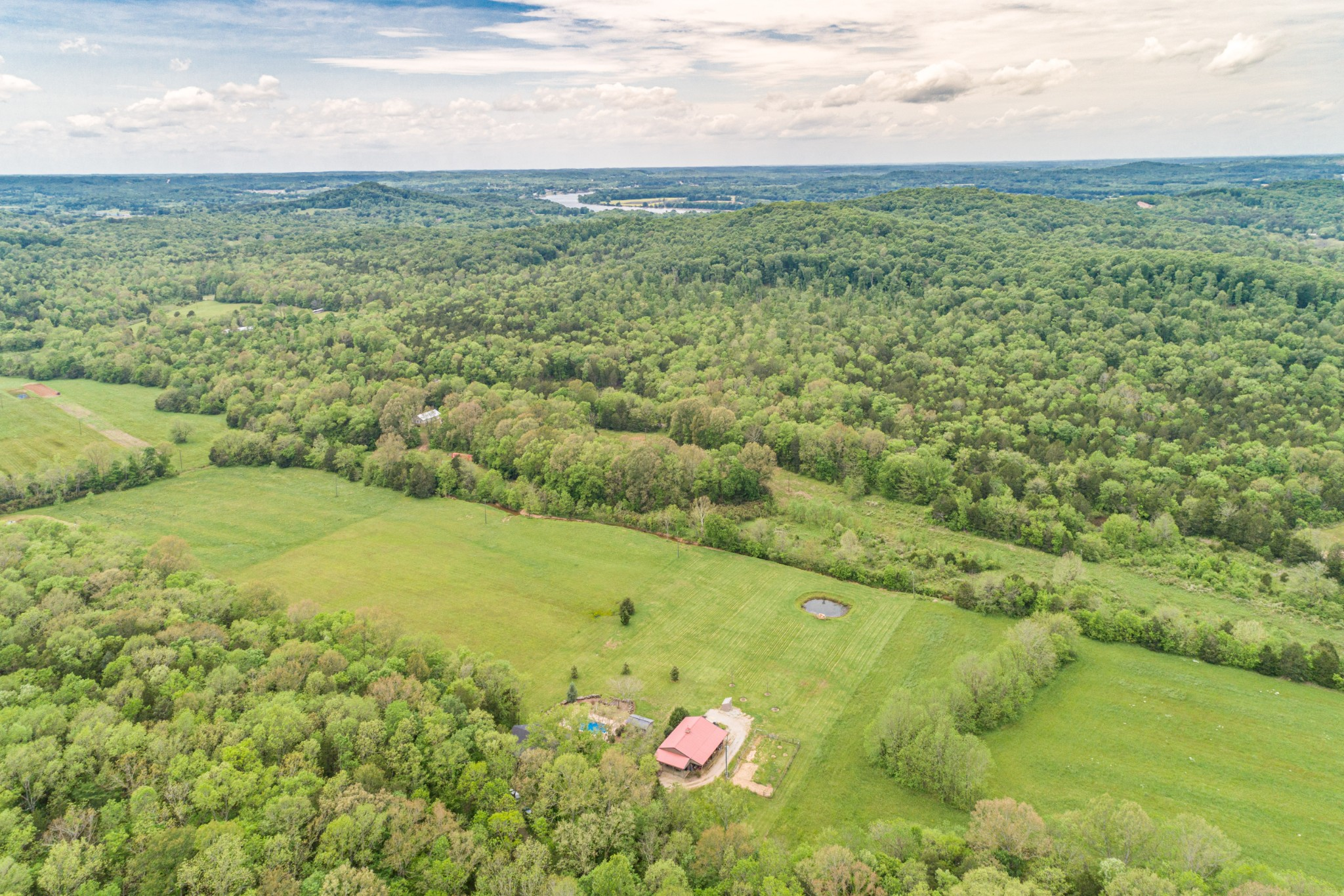 124 Rays Cove, Clifton, TN 38425 - Clifton, TN real estate listing