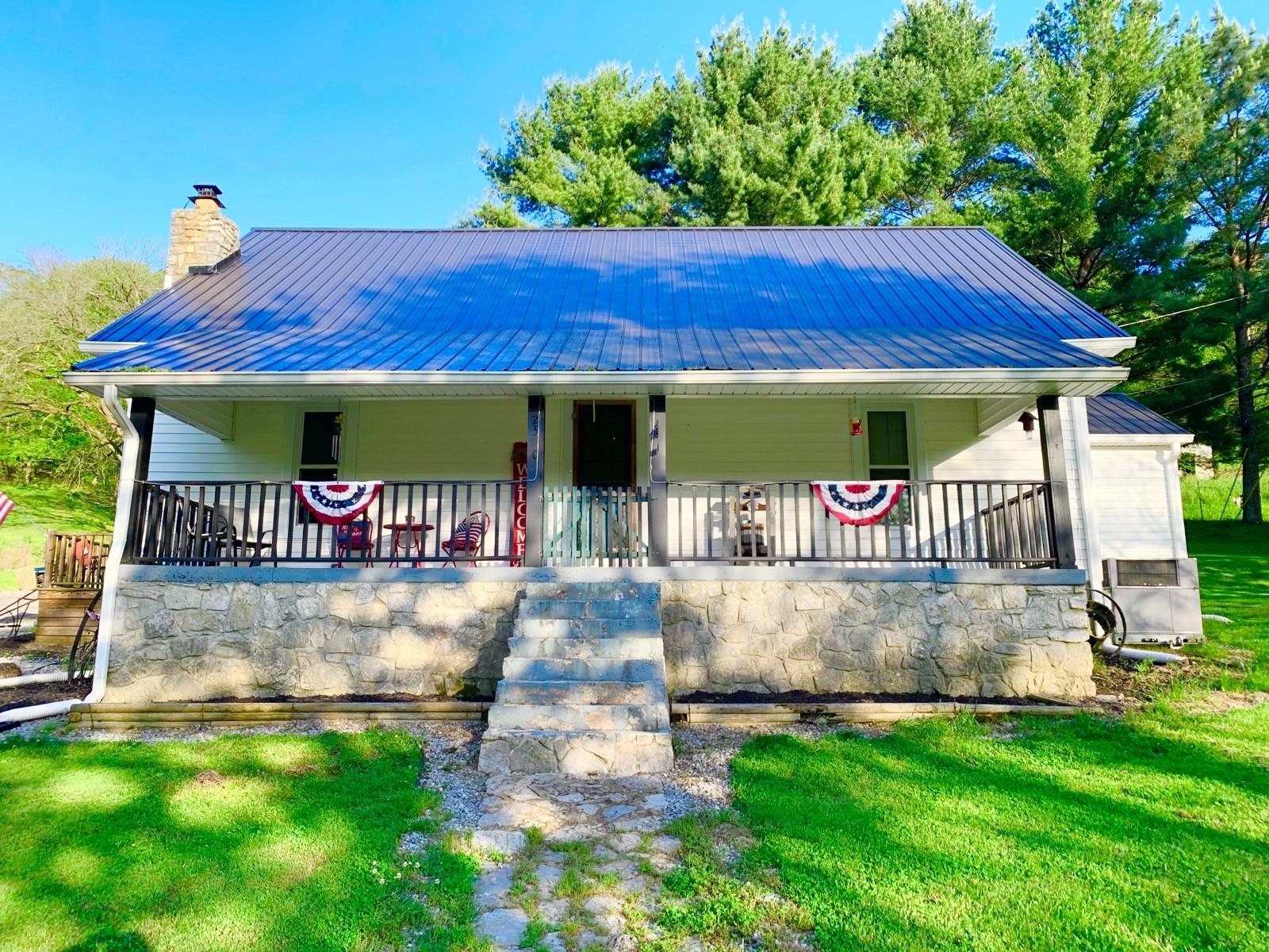 2520 Lick Creek Rd Property Photo - Hartsville, TN real estate listing